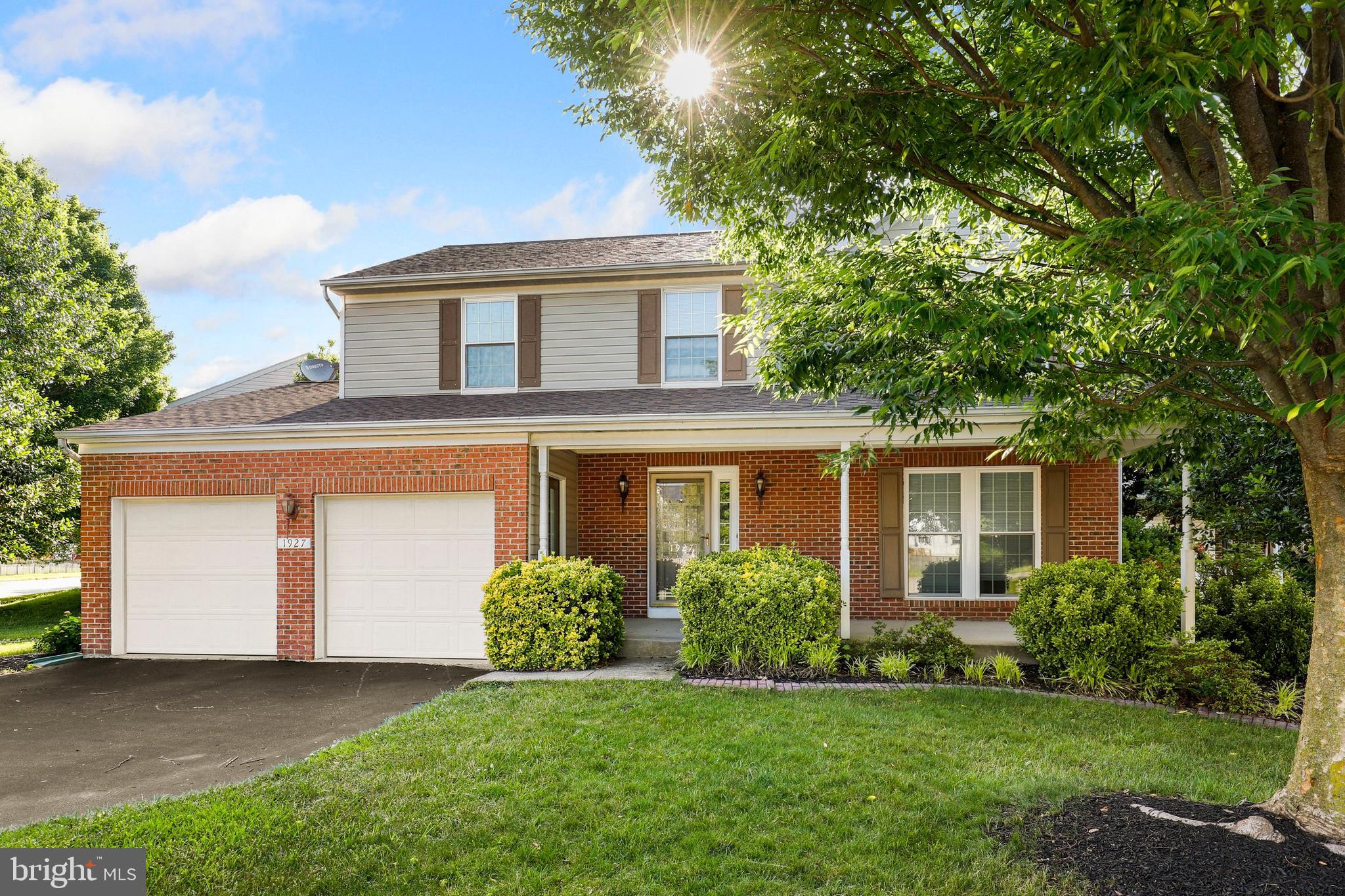Welcome to this FORMER MODEL HOME in the sought after community of Seven Oaks. This home offers 4 be