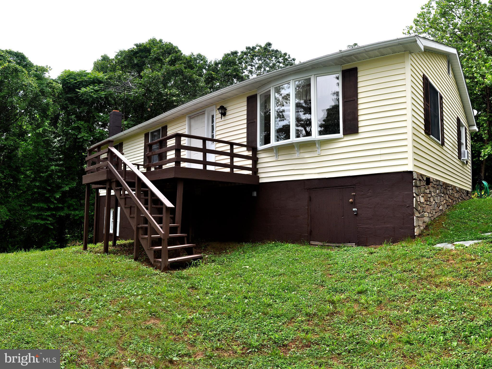 Here is your chance !!!   Want to live within walking distance to the spectacular Shenandoah River ?