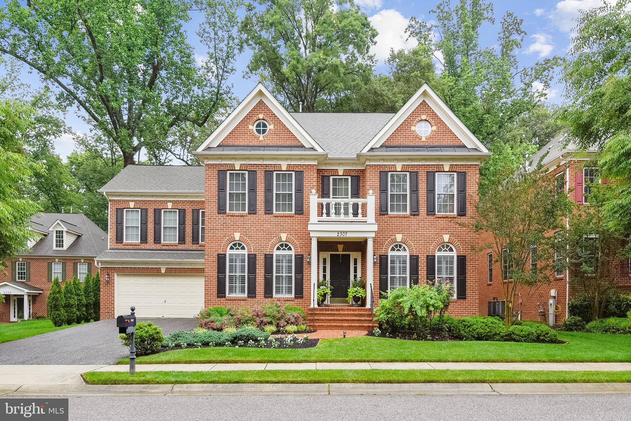 ANNAPOLIS RIDGE STUNNING CUSTOM SMART HOME TUCKED AWAY IN A  SMALL  WOODED ENCLAVE OF 20 HOMES, LOCA