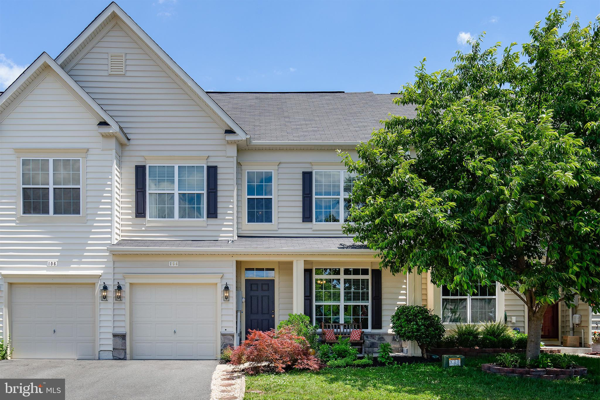 Absolutely charming 3-BR townhome in the quaint neighborhood of Wakeland Manor with amenities galore