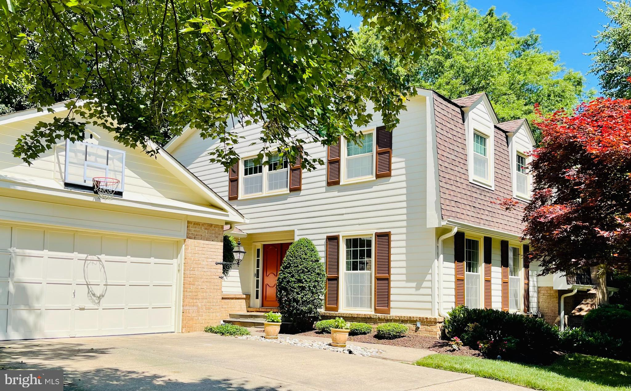 Situated on a Cul de sac in sought after community of Ridgelea Hills.  Updated home with 5 bedrooms