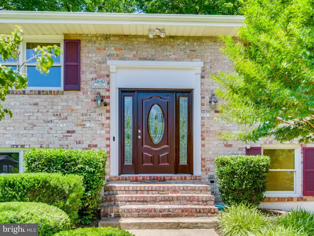 OPEN SUN 11AM-1PM. This well designed Split has spaces for everyone, unexpected sunshine on all levels! The highlights: Refinished oak hardwoods/stairs, on-trend newel posts and iron balusters, remodeled Kitchen w/stainless appliances and double wall oven, updated Baths and solid pine doors w/brushed nickel hardware.  Lower level Family Rm w/WB fireplace (XL for sectional, media and/or pool table) and Bonus Rm for home office, exercise, or crafting.  Elevated .3Ac corner lot with maintenance free deck, patio and mature landscape for private entertaining. Sunny perennial beds and charming 10x14 shed w/electric and workbench for the gardener/hobbyist! Peaceful street just a short walk/bike ride to Main Street parades, restaurants and shopping. Sought after BA schools - NO HOA!