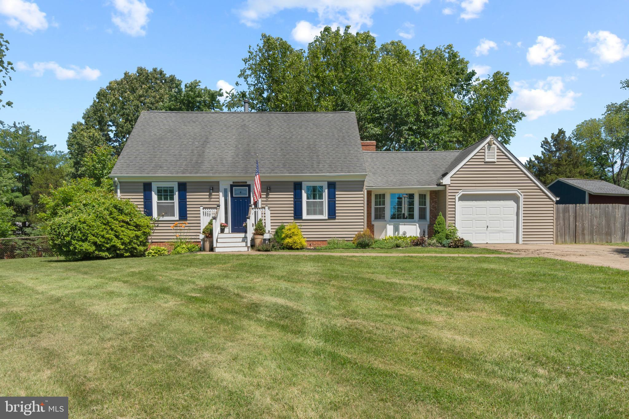 Welcome home to this adorable Cape Cod in Garrisonville Estates!  Hardwood flooring invites you into