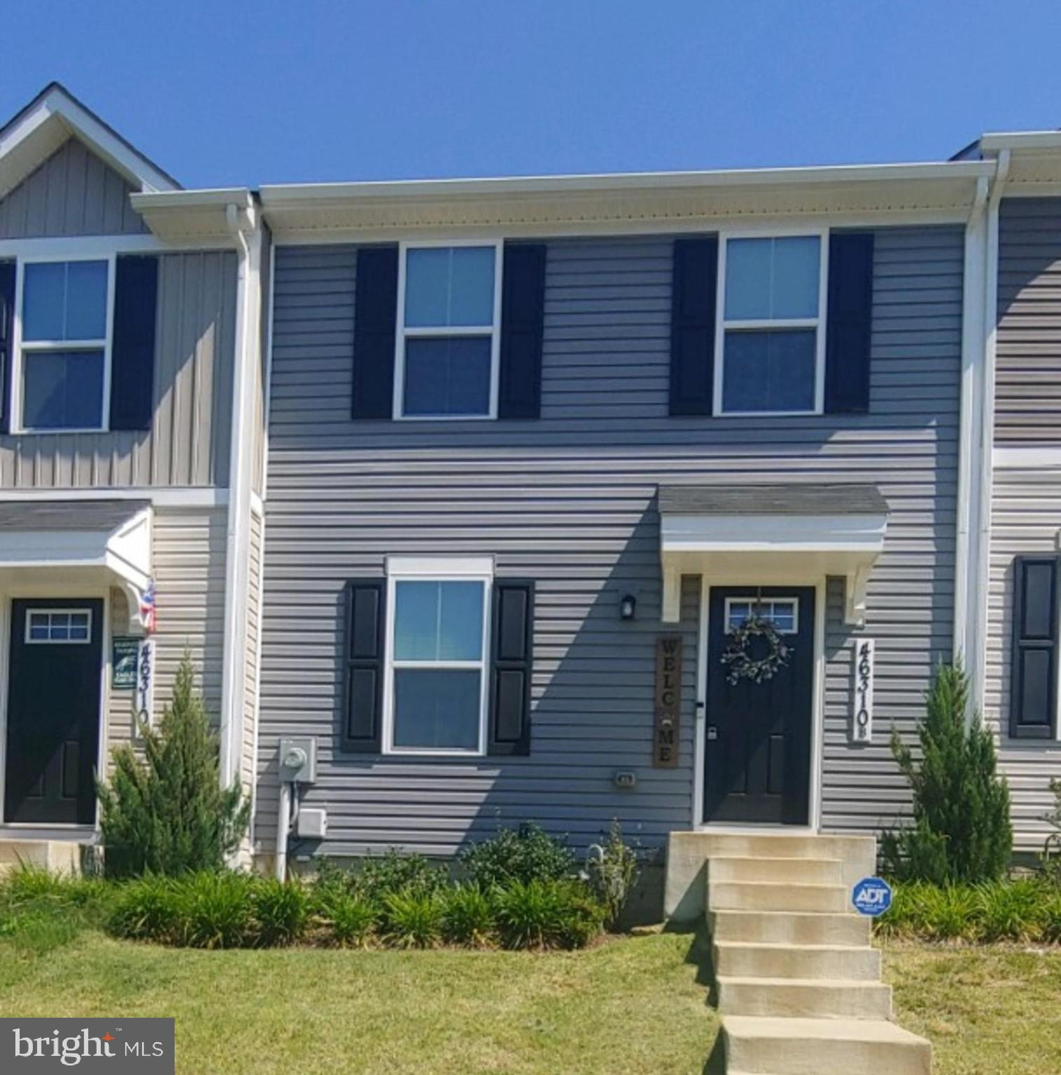 Very affordable and sought after Willowgate.  One owner carefully maintained. Excellent location clo