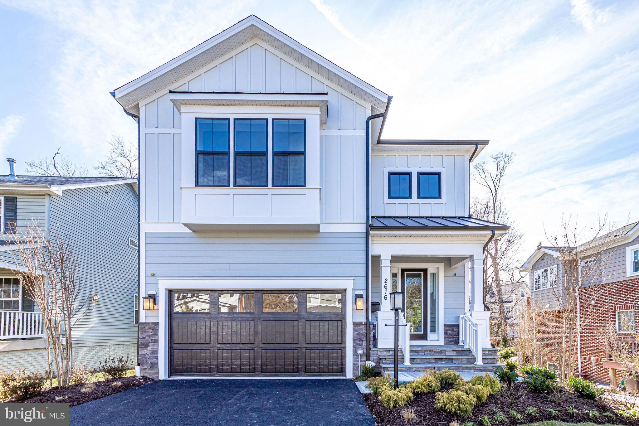 .OFF SITE OPEN HOUSE SUN  12-4 Arbors of McLean  1924 Westmoreland St McLean Metro rider special!  G