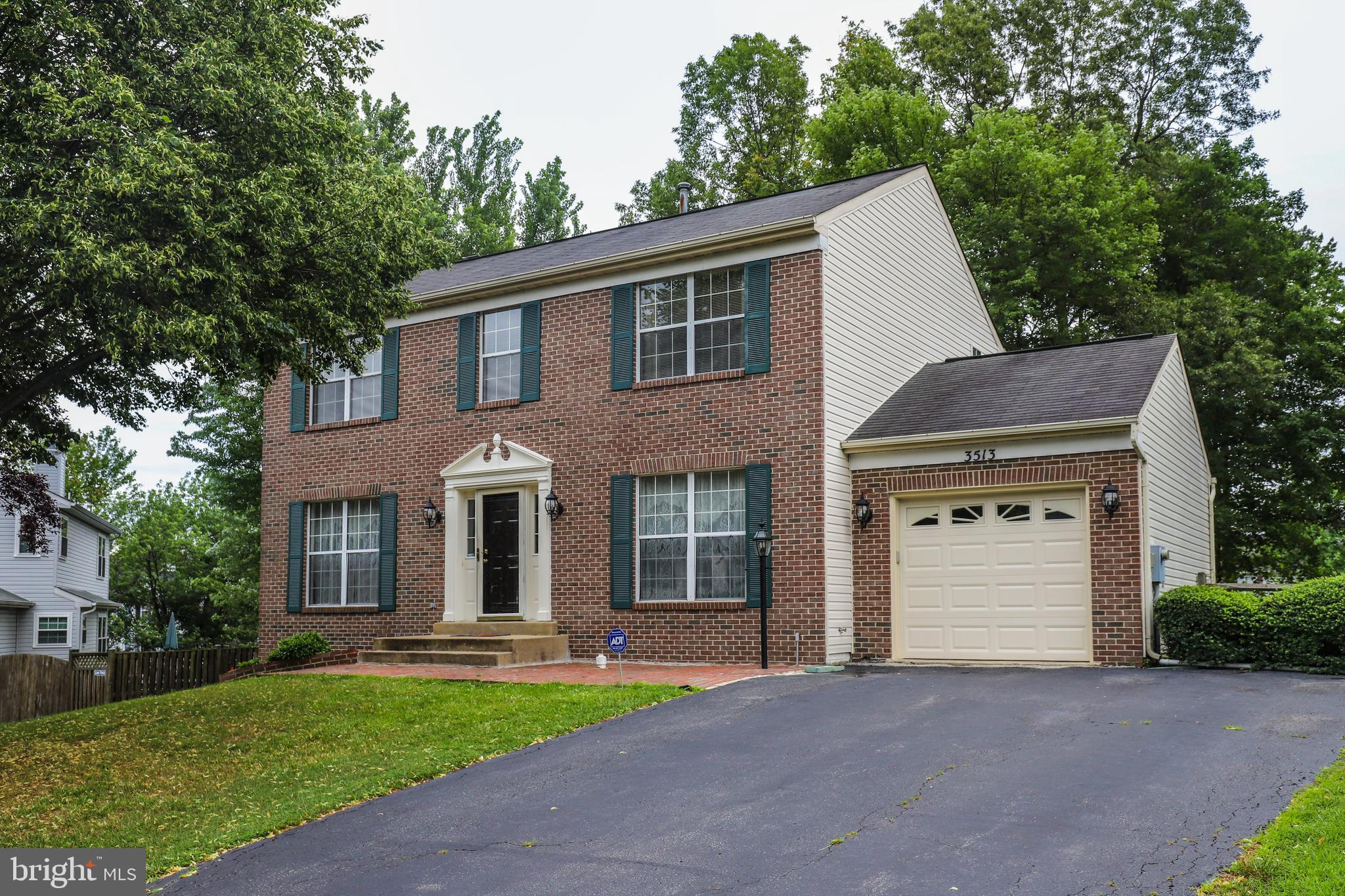 Stunning SFH! This home has been lovingly maintained and is ready for new owners!  Fresh paint, gour