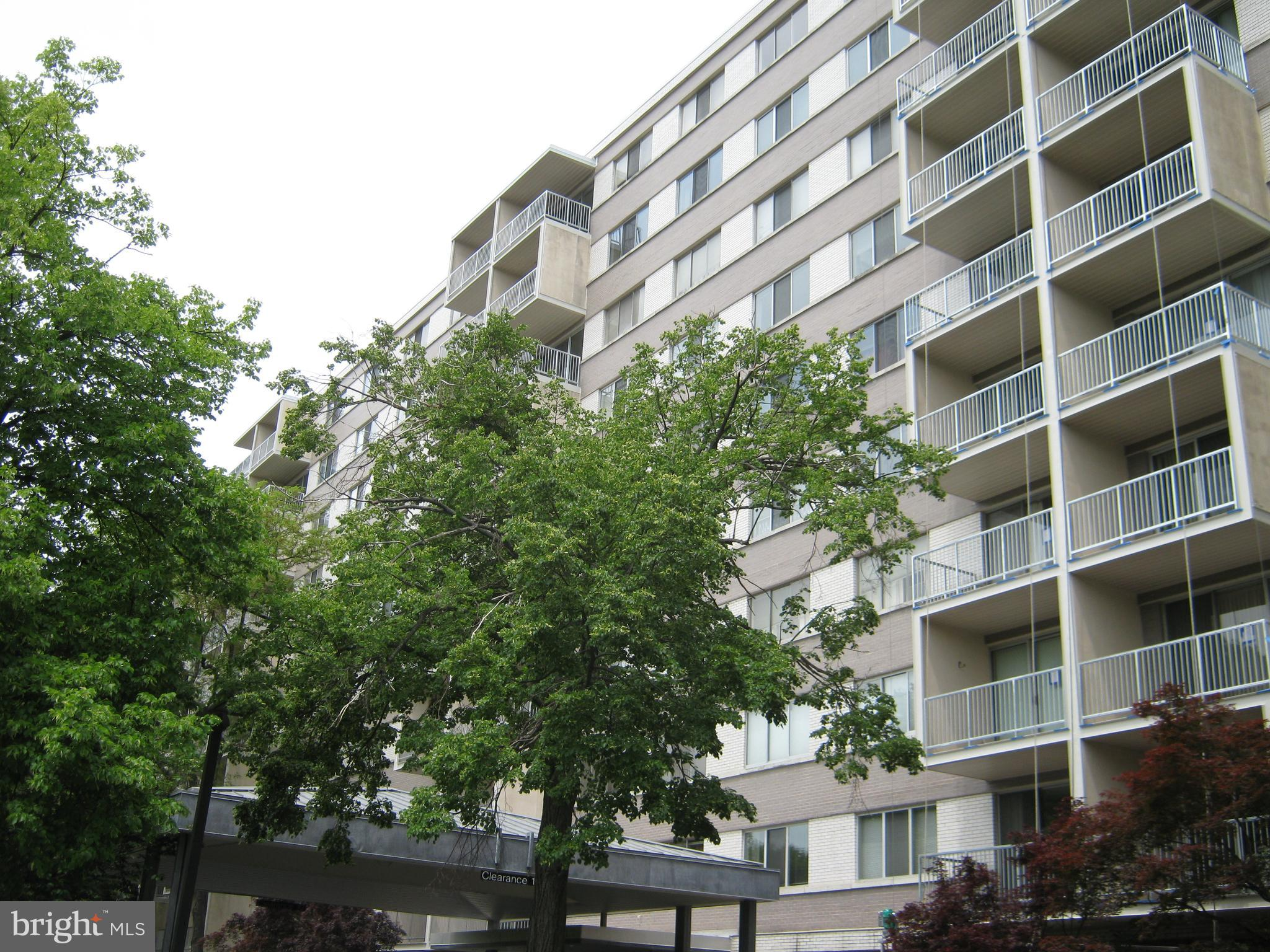 **COMING SOON** Charming one bedroom/one bathroom in a secure, quiet building in heart of Bethesda.