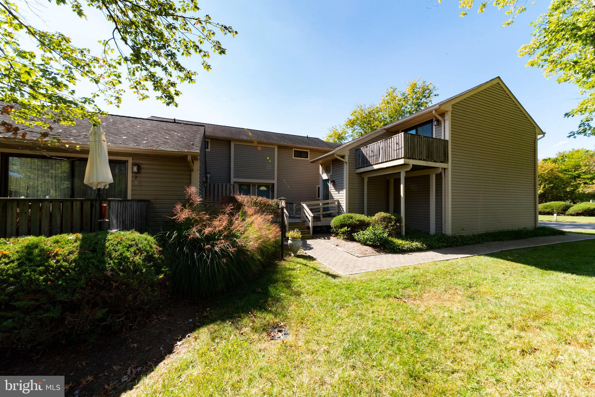 Building1 Unit 2---------Kent Cove has everything you need, a pool, a pier and a nice path along Thompson Creek to catch the sunset over the water. Eastern Shore Living !!!   This unit has new paint and flooring and new baths. It shows nice and clean, it comes with an attached garage and a rear deck. The Condo fee INCLUDES water and sewer, so your all set. Boat slips should be available for a fee. Please confirm. Close to the Bay Bridge and all the Kent Island area has to offer.