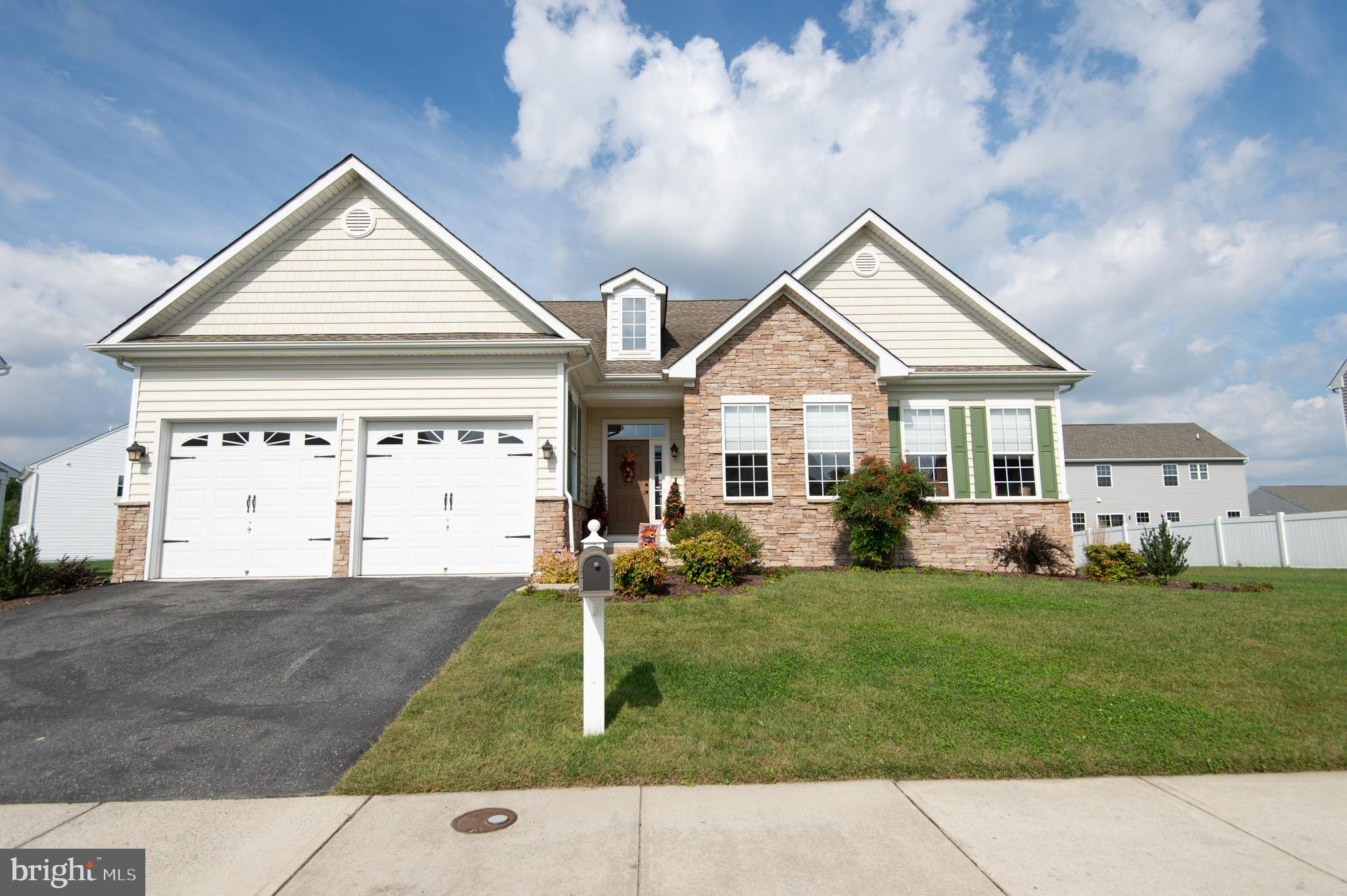 Rare opportunity to own in Delmar School District!!    Meticulously maintanced 4/3 home with FINISHE