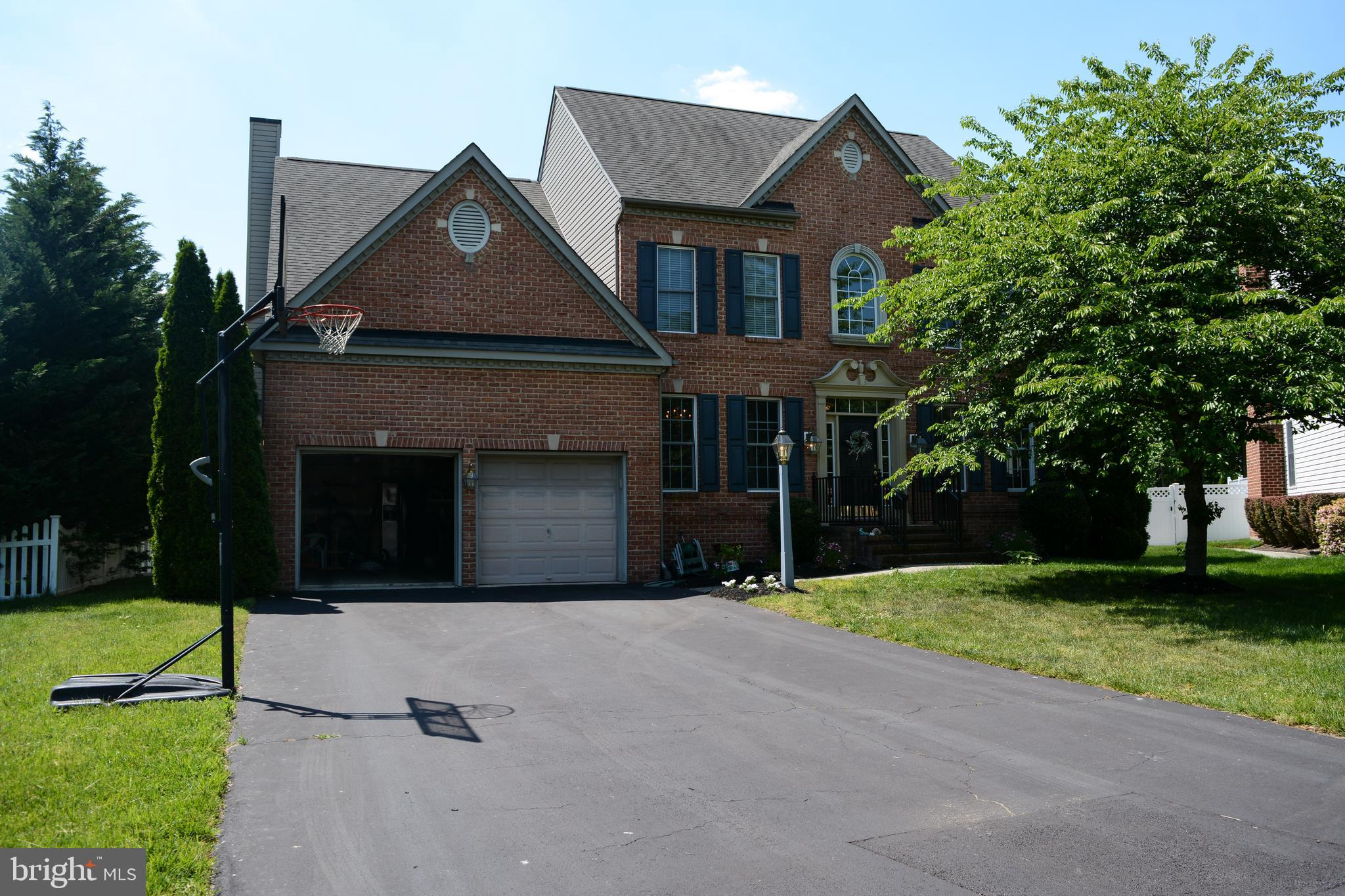 This large, beautiful home is located in a cul de sac in the coveted Fourwinds community in Severn.