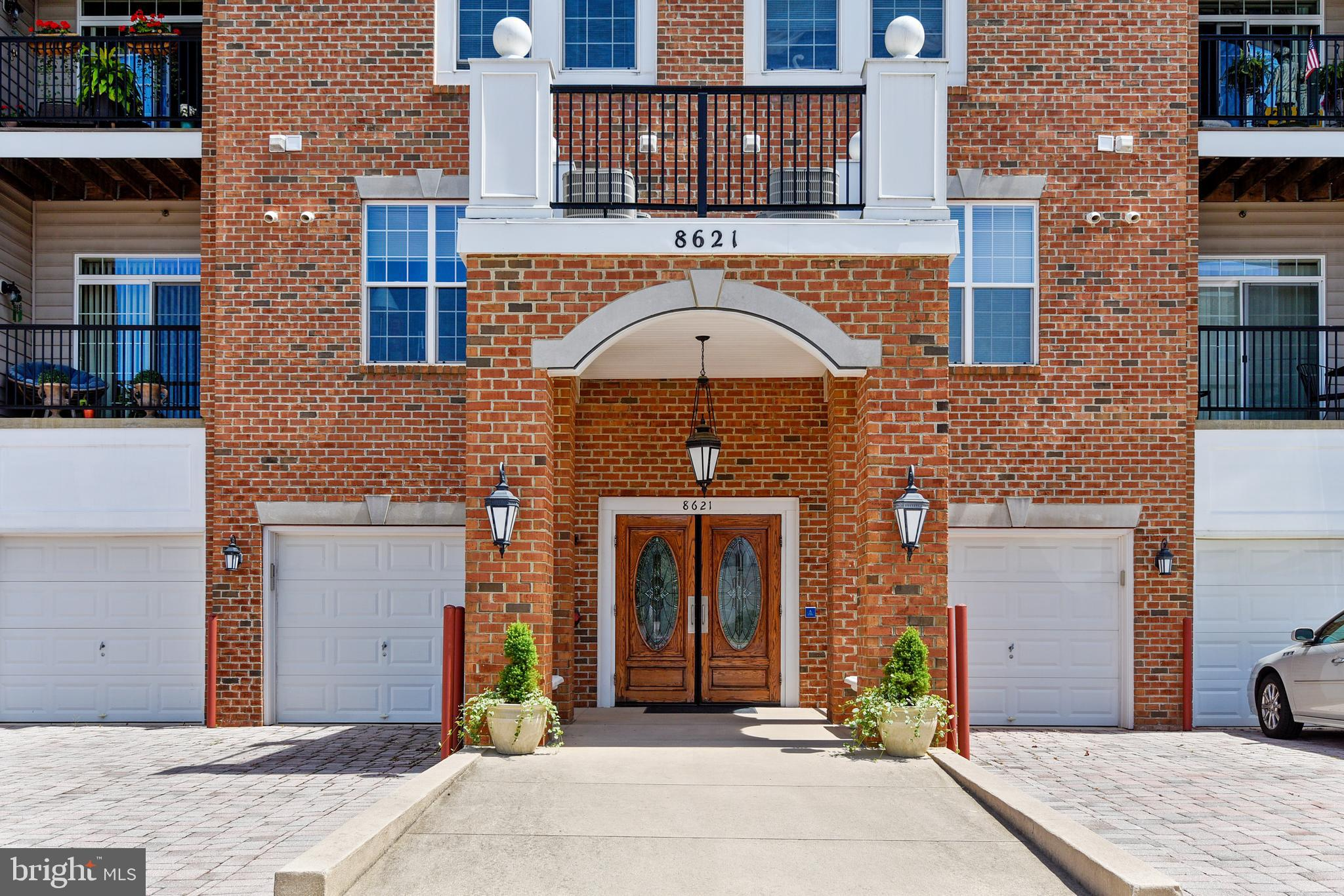 Get ready to enjoy the carefree lifestyle of condo living in the 55+ community of Cedar Ridge in Pin