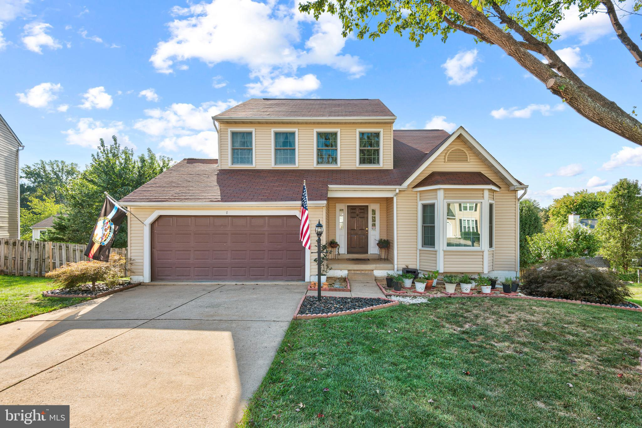 OPEN HOUSE Saturday 10/16 - 11:30-2:30  Please remove shoes upon entry, booties provided   Many upda