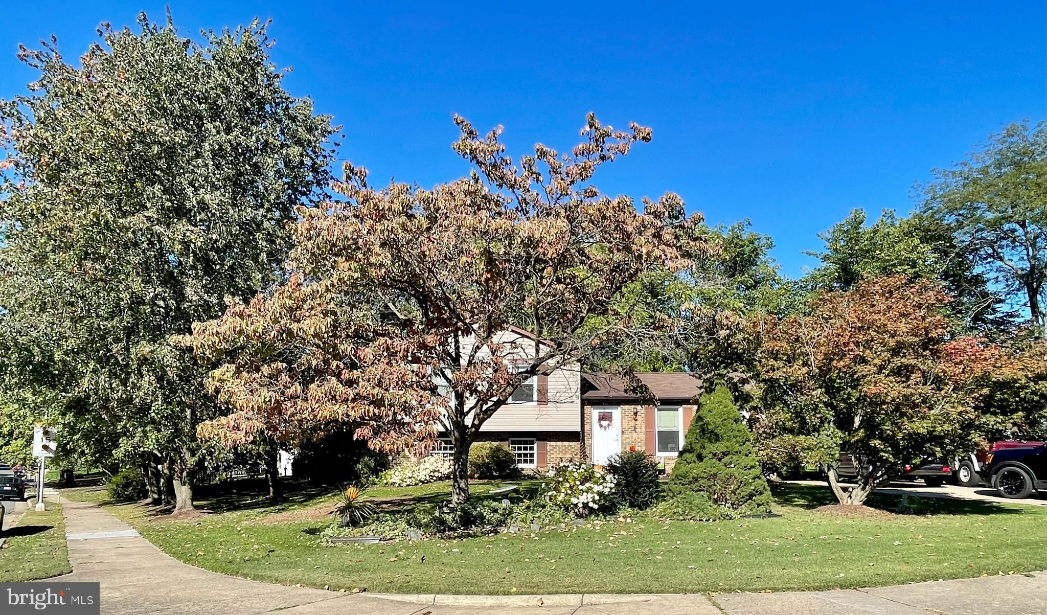 FAMILY COMMUNITY, NEAR SCHOOLS, OULET CENTER, PARKS AND OLD TOWN, EXTRA LARGE HOME WITH 4 LEVELS 4 B