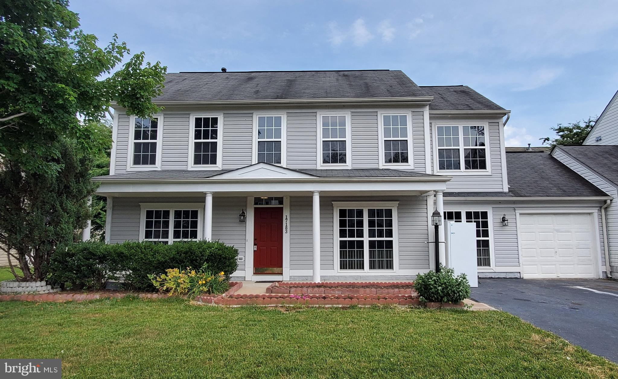 Welcome home! This home has 4 spacious bedrooms and 2.5 baths freshly painted throughout, deep clean