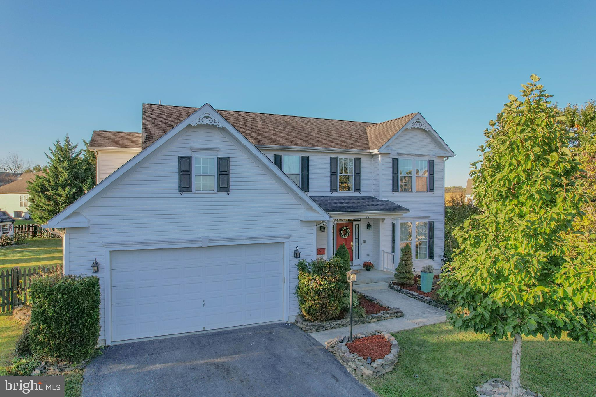 OH WOW!  This beautiful nearly 5,000 sq feet 5BR/ 4BA home is situated on a quiet cul-de-sac in the
