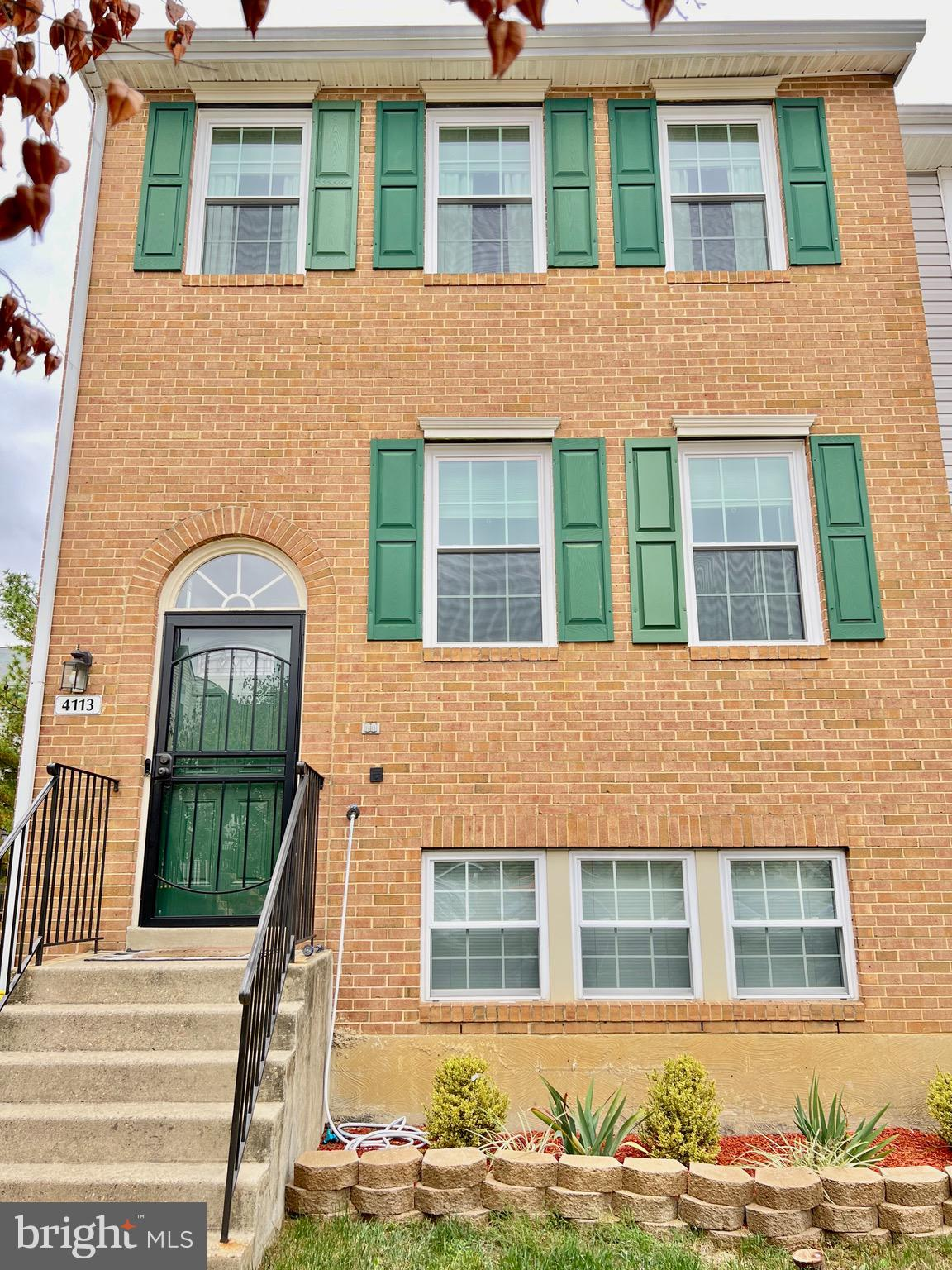 Welcome home! This end unit is located in the highly desirable and conveniently located, Applegate C