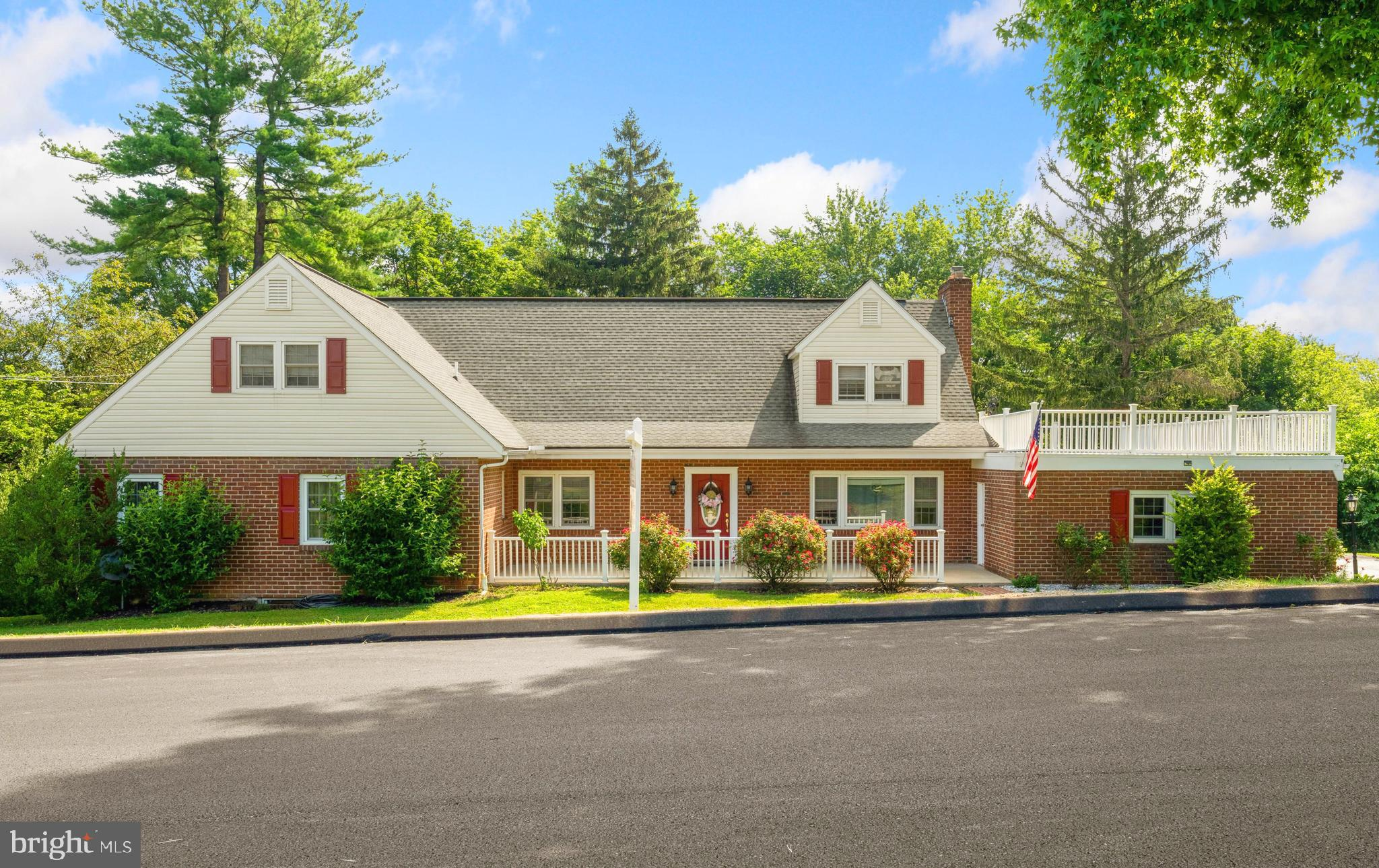Lovely home, with over 4,000 square feet of living space on a large 0.48-acre lot that features plen