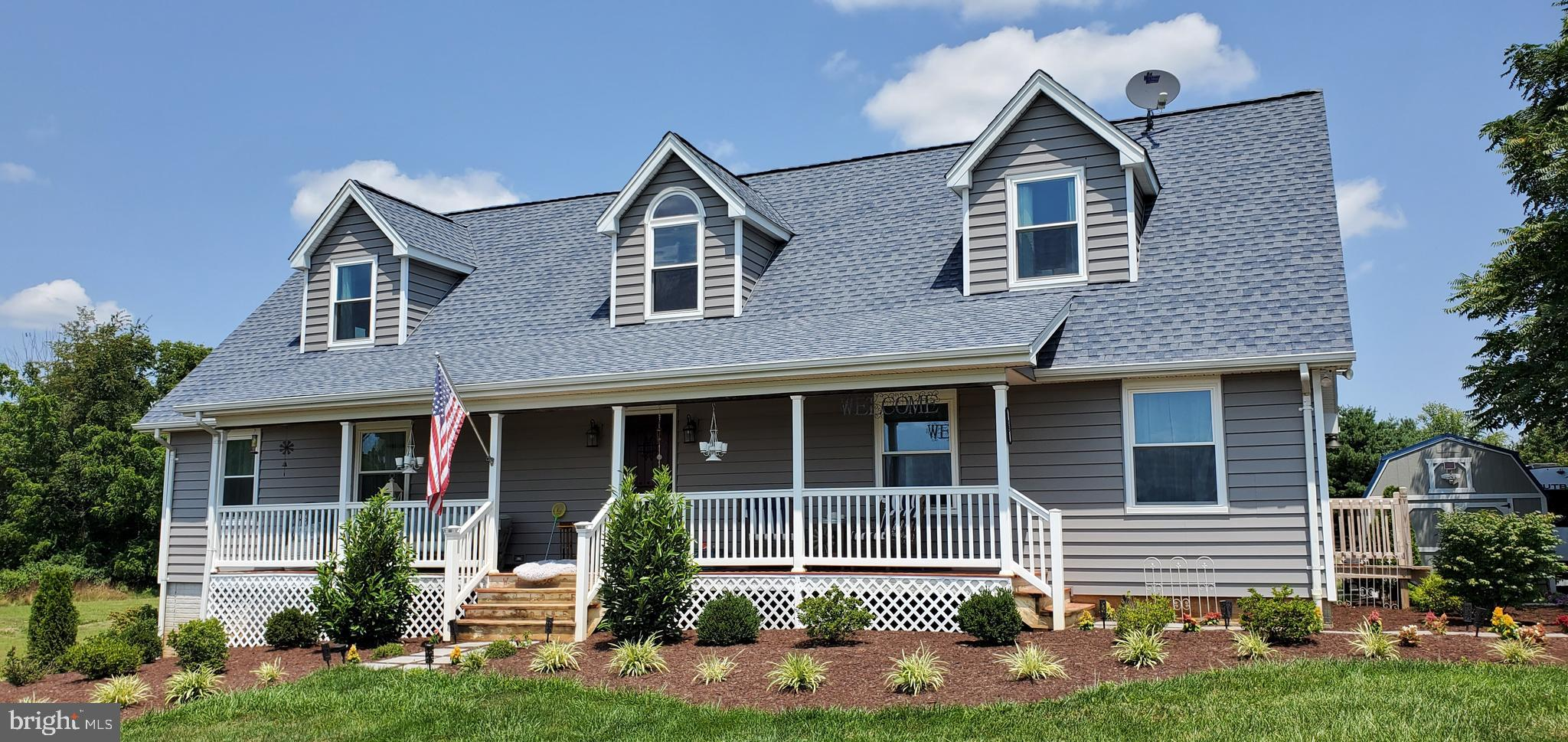 Well maintained 4 bedroom, 2.5 bathroom cape cod in desireable Clarke County.  3 acres of open land.