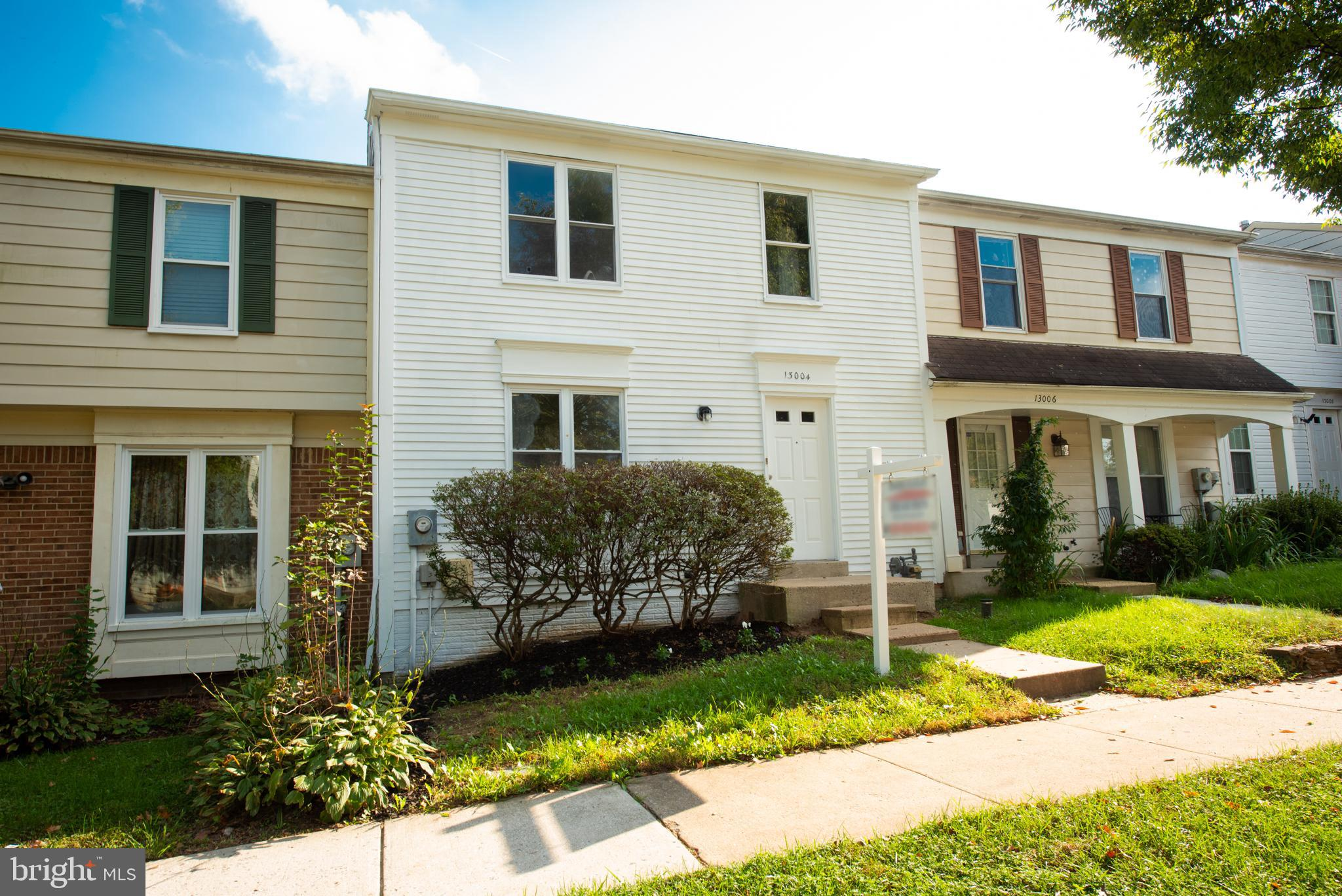 OPEN HOUSE Sun, Oct 24 11:00 AM - 2:00 PM! 50k+ worth of updates! Freshly painted. Renovated bathroo