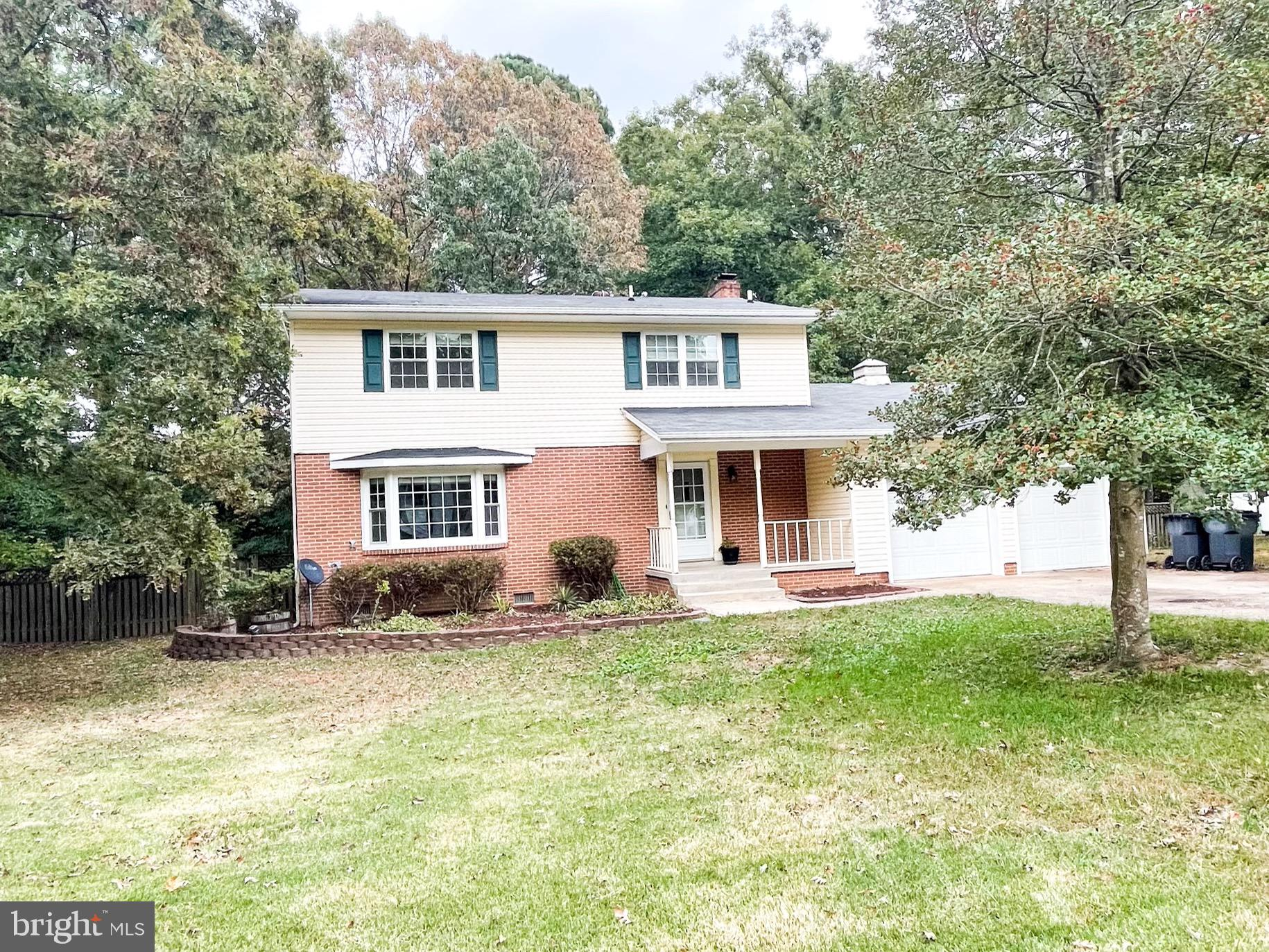 No HOA! Great location near schools, shopping and Pax. Large fully fenced back yard on flat lot, ove