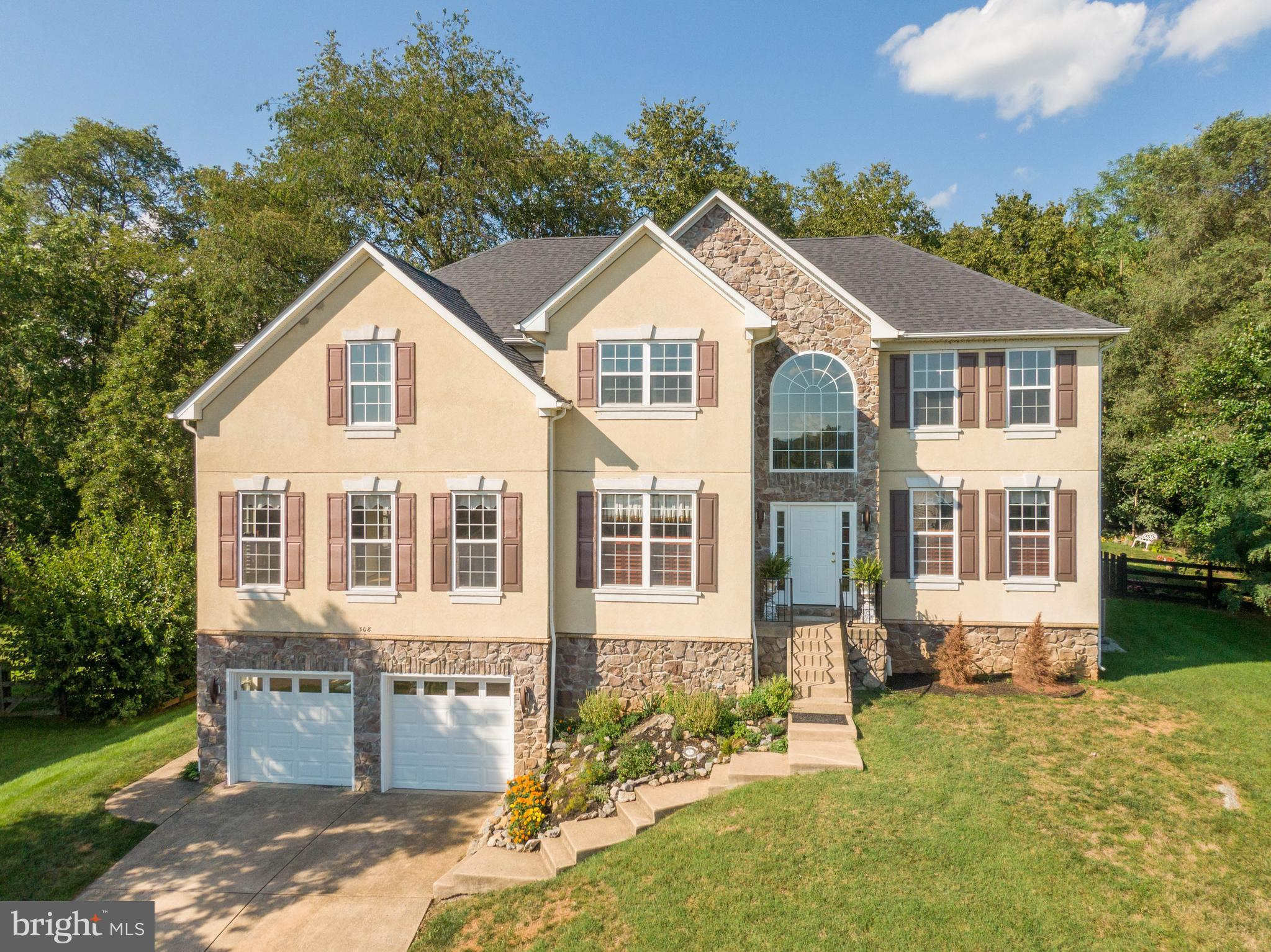 Extraordinary Home located in a Lovely Subdivision in Clarke County in a Quiet Cul-de-sac and with L