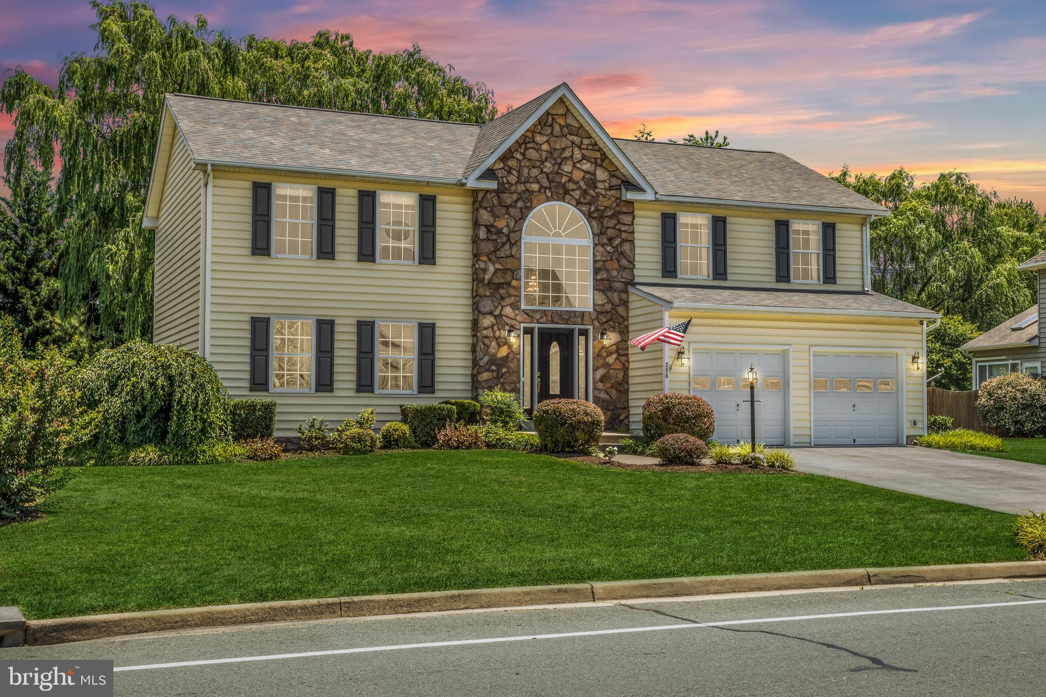 """Desirable OAKDALE CROSSING neighborhood in excellent commuter location with close proximity to downtown Winchester and Jim Barnett Park. No HOA!  Enjoy 3500+ finished square feet in this 4 Bedroom, 3.5 Bath home.   MAIN LEVEL:  As you enter, you are greeted with a 2-story Foyer, hardwood floors, light-filled windows, and an Open Floor Plan.  Enter into the Living Room (which boasts Crown Molding, Chair Railing, and Shadow Boxes) to a spacious Formal Dining Room-- to a Kitchen with Gas cook-top, wall oven, Corian countertops, 42"""" cabinets, stainless steel appliances, center Island, and breakfast area for meals. When entertaining/relaxing, move easily from Kitchen to the large stamped patio with Gazebo to the fully-fenced yard. Truly a private Sanctuary with lots of landscaping!  Family room with gas fireplace flows from Kitchen.    UPPER LEVEL: Huge Master suite boasts hardwood floors and a vaulted ceiling (complete with jetted soaking tub, separate shower, double vanities, Walk-In closet).  3 additional good-sized Bedrooms, full bath and laundry area are also conveniently located on upper level.   LOWER LEVEL:  Finished basement  can be used for recreational room.  Separate room with closet may be used for a home office or gym. Bathroom with tiled shower.  Unfinished storage area.   2-Car attached Garage   New Roof 2017 All measurements are approximate. Owner/Agent THE OPEN FLOOR PLAN AND PRIVATE BACKYARD IS IDEAL FOR RELAXATION, ENTERTAINING, AND ENJOYMENT!! PLEASE REMOVE SHOES"""