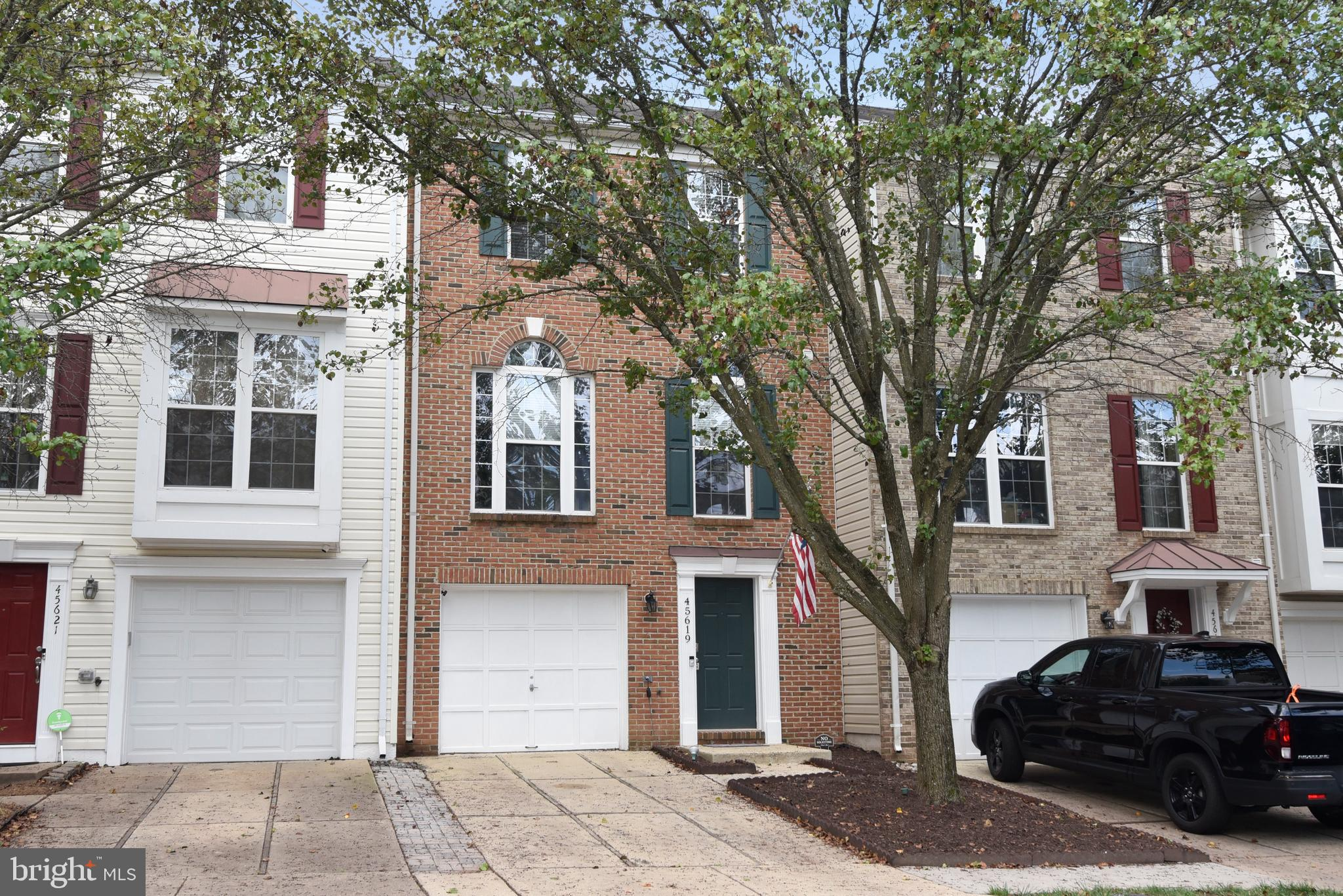 HOME LOCATED AT END OF QUIET STREET / NO THRU TRAFFIC / LG STAINLESS STEEL APPLIANCES <2YRS OLD / H2O & LENNOX FURNANCE <2YRS OLD / LENNOX AC <4 YRS OLD / UPGRADED TO DUAL ZONE /  SAMSUNG WASHER & DRYER SET <1YR OLD / CARPET & PAINT UPDATED / 10X10 BUMPOUTS ON ALL 3 LEVELS / DECK  & PAVER STAMPED PATIO W. FENCED IN YEAR YARD WITH NO MAINTEANCE TURF GRASS.  CLOSE TO RT 28/7 ETC.
