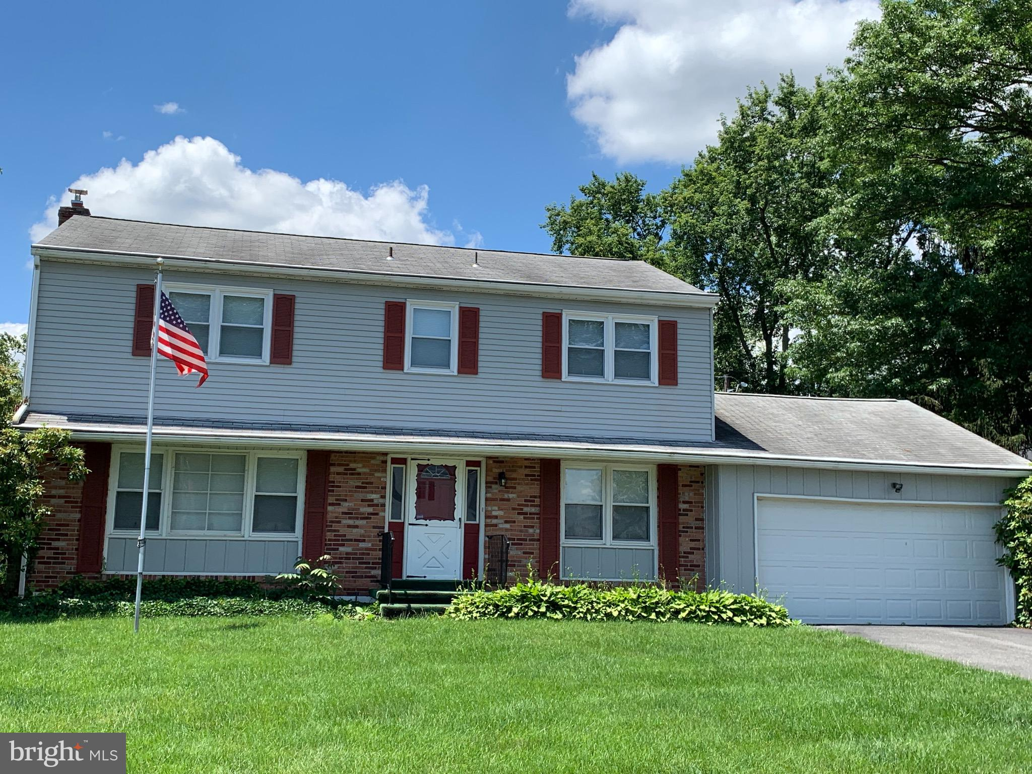 Two story colonial in the sought after neighborhood of Highland West. Nice opportunity to purchase a