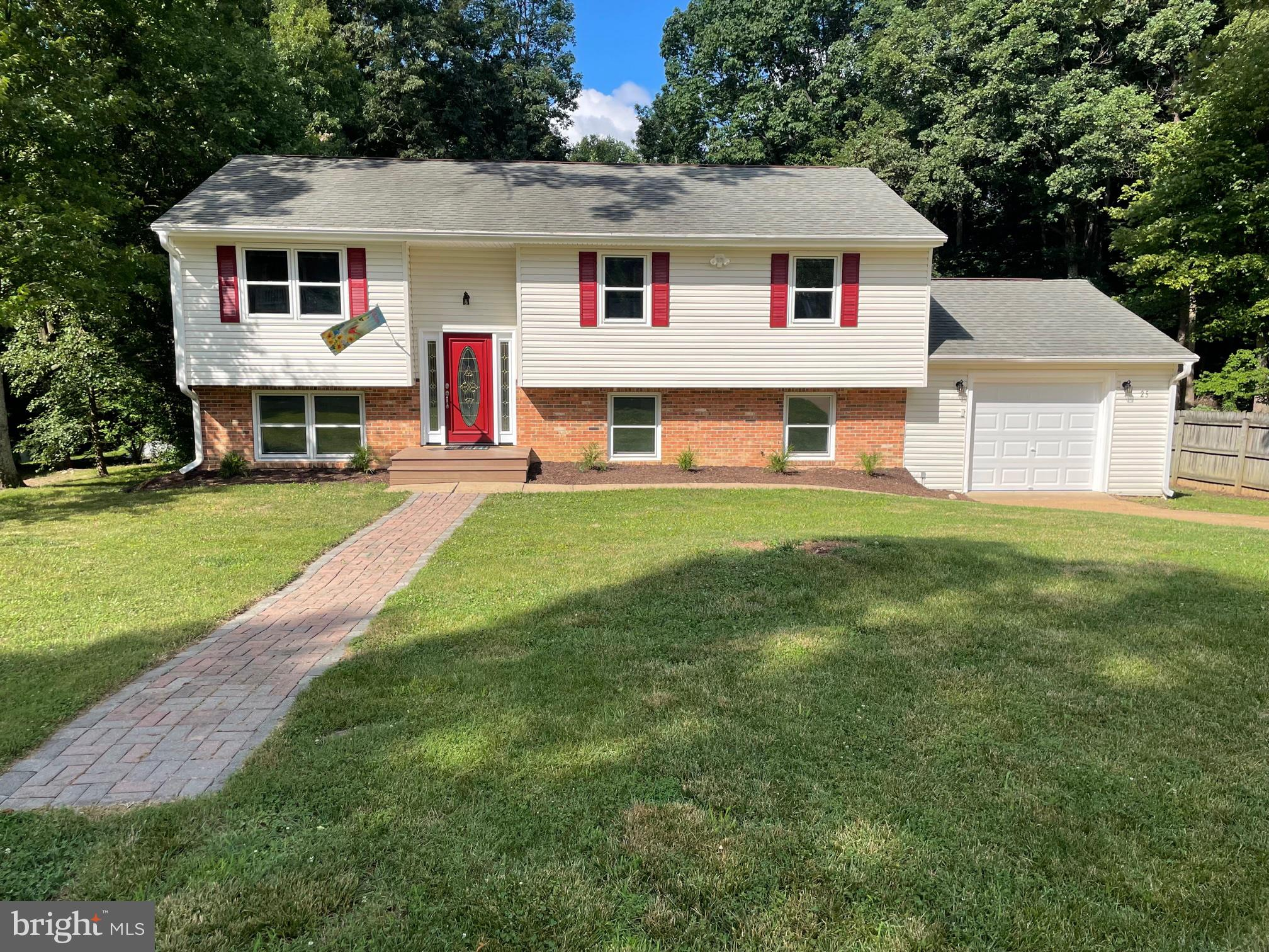 Newly renovated split foyer on a quiet cul-de-sac in the highly sought-after Huntington Hills. Minut