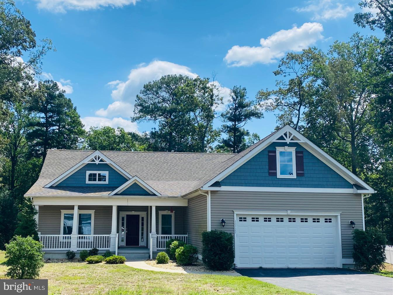 An Insight Home that is just beautiful.   3 Bedrooms plus an office and sun room with 2 full baths.