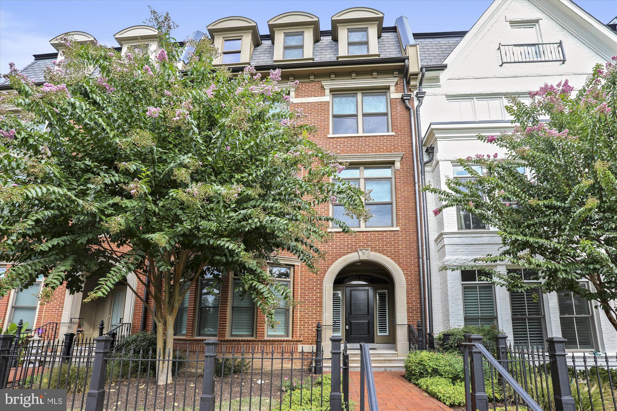 One of the larger luxury townhome units in Symphony Park. Open floor plan with upgraded appliances a