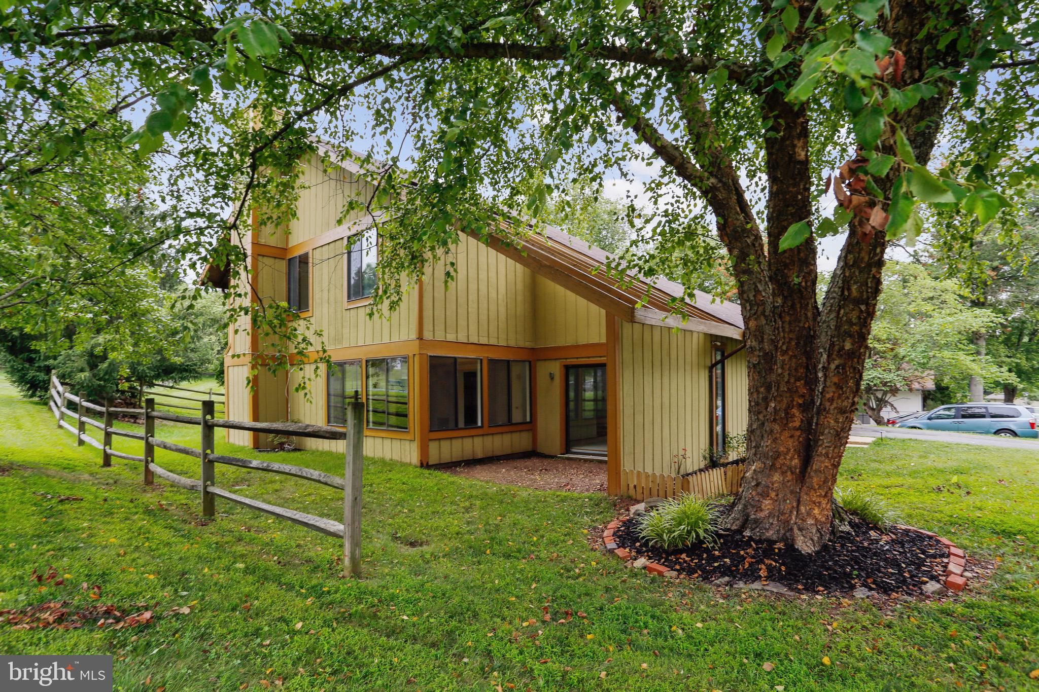 Charming 2-story contemporary-style home with a spacious and bright open floor plan.  Large and sunn