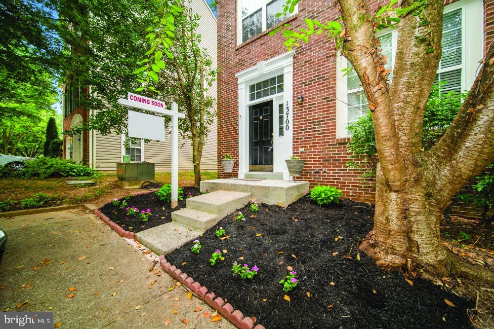 Stellar 3BR/3.5BA traditional end-unit townhome nestled in the community of Germantown Station. This