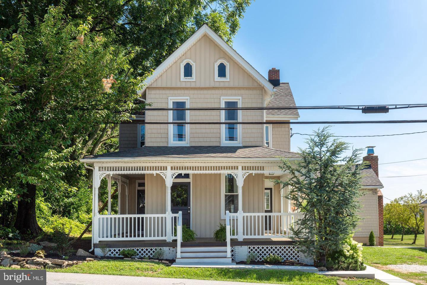Buyers financing fell through back ready to go. Beautiful Colonial Farmhouse located on a scenic pie