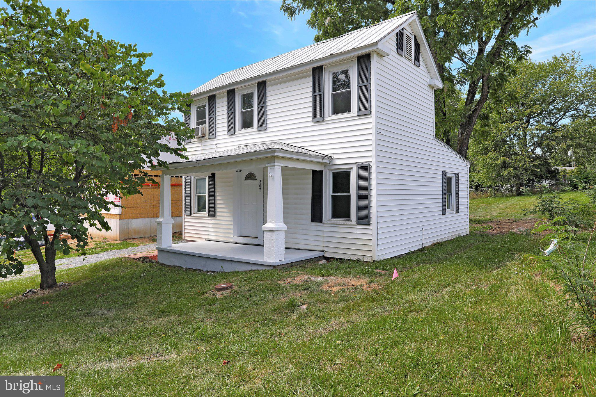 Cute and charming describes this hidden gem in Martinsburg! Come check out his newly renovated 2 BR