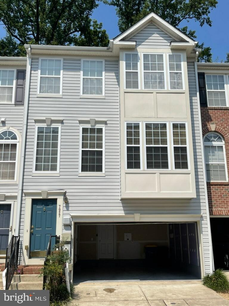 NEWLY RENOVATED!!!  Available Immediately!!!  Just completely updated!  New Paint, New Carpet, New E