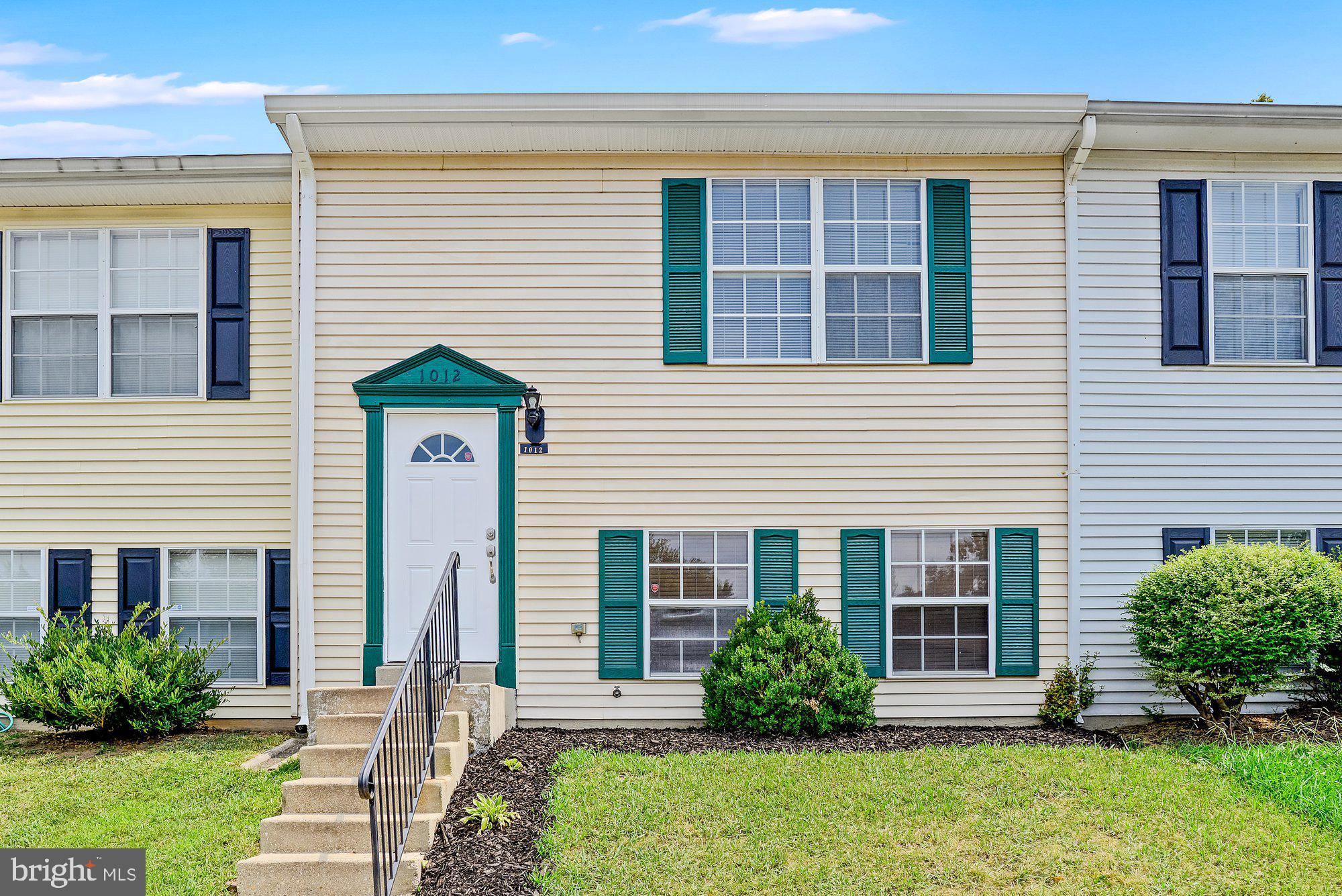 Come see this beautiful move in ready split level townhouse in the heart of Waldorf. Featuring  3 be