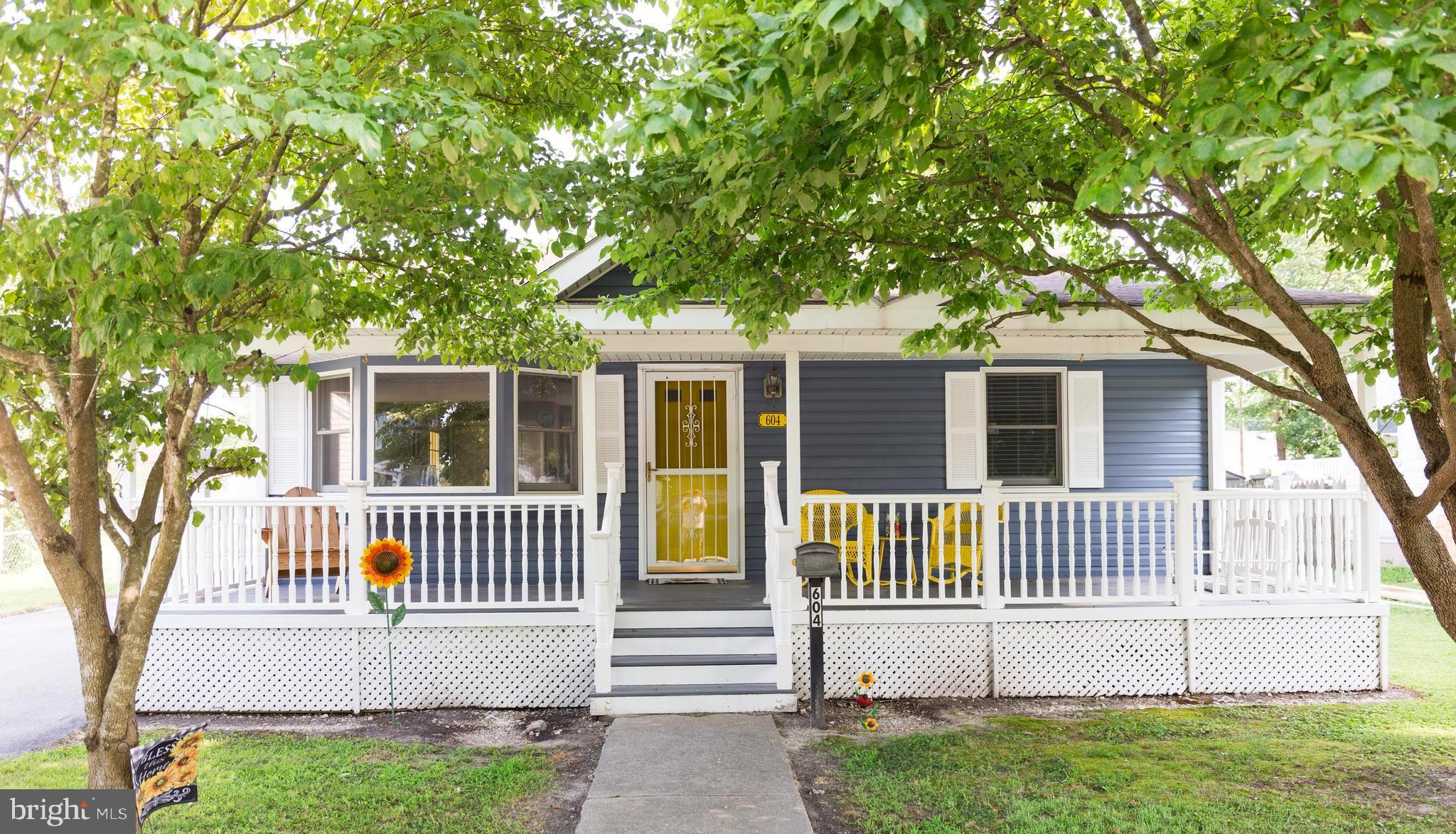 Delightful 2 bedroom 1 bath bungalow in Delmar! Welcoming full length front porch, spacious living r