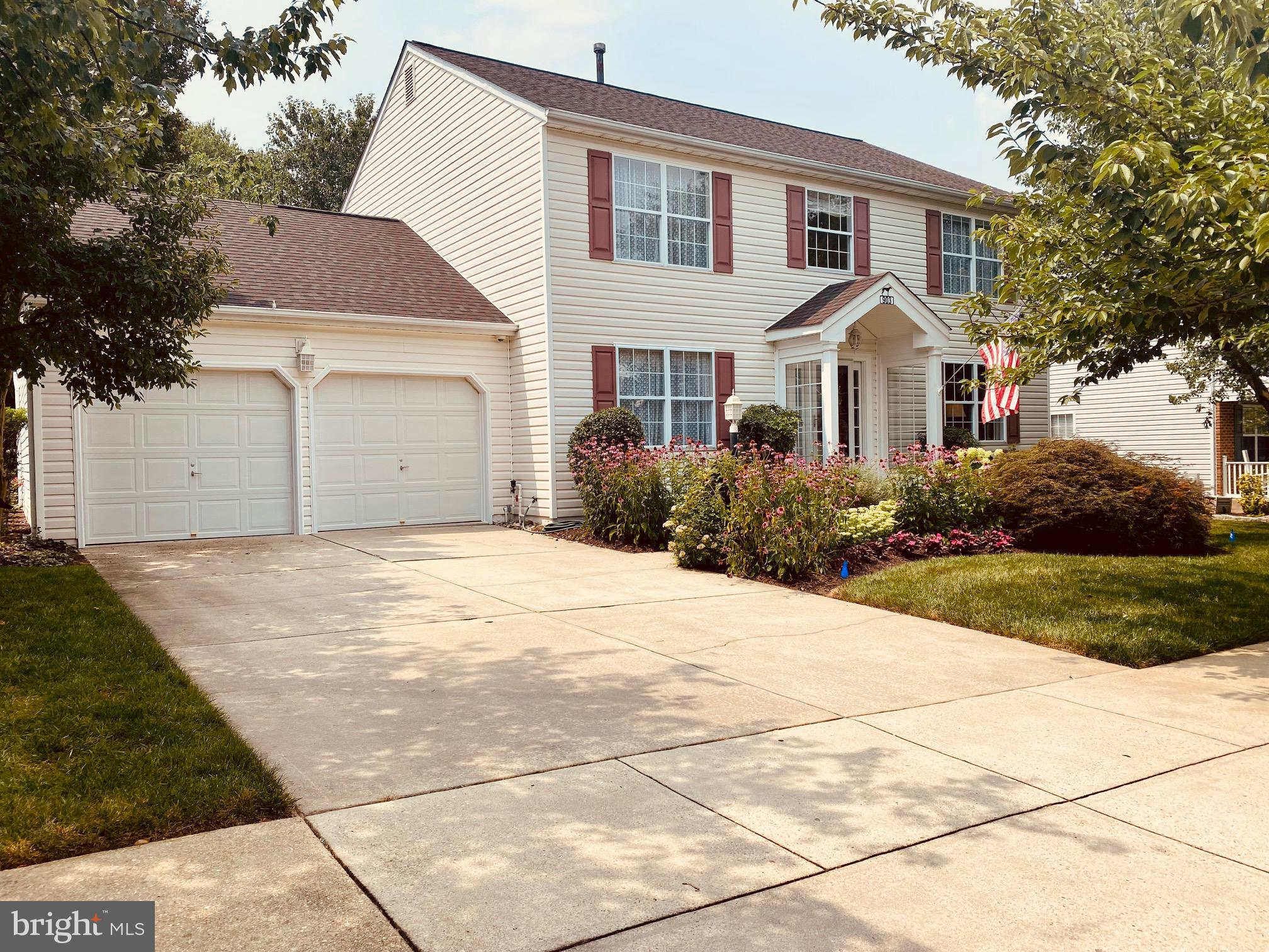 Piney Orchard  4 bedroom, 3 full & 1 half bathroom detached home with a 2 car garage. Beautiful hard