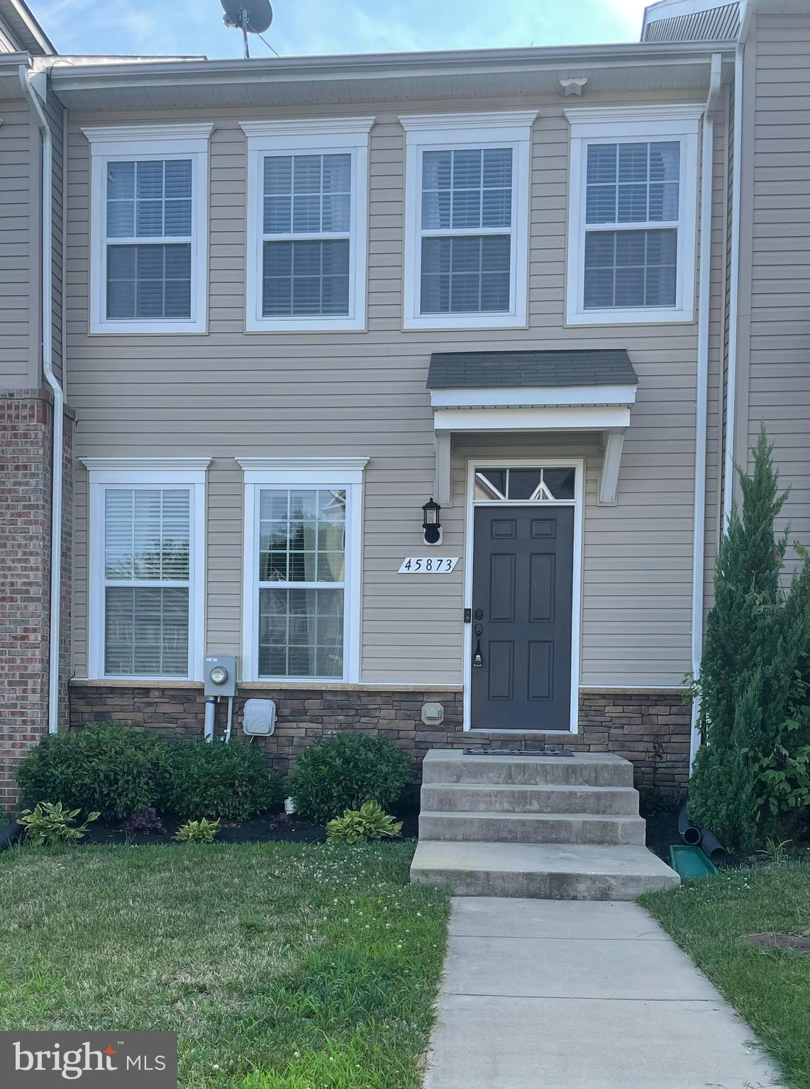 Home offers open floor plan with hardwood floors throughout. Gorgeous kitchen with granite counter t