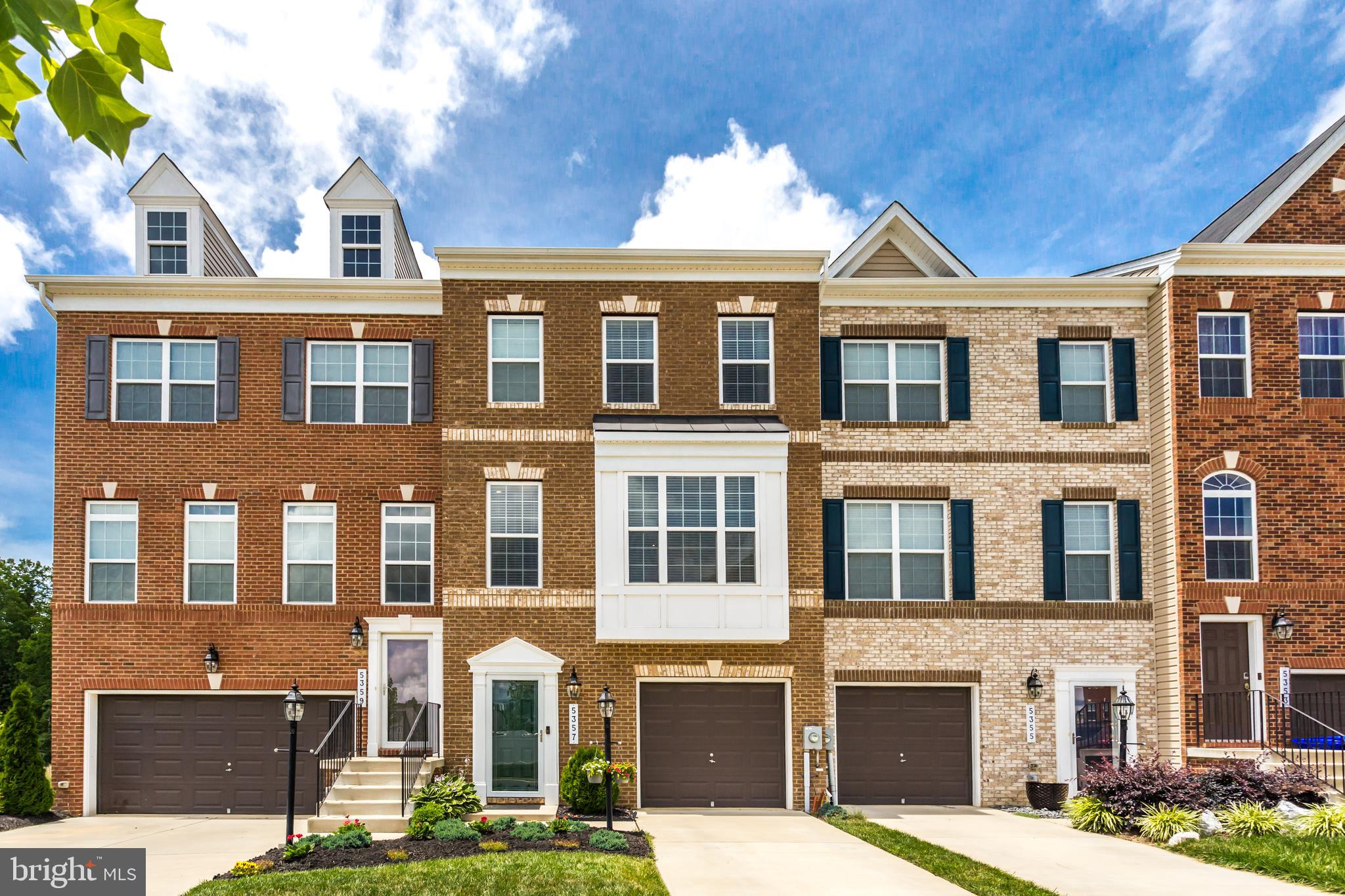 Why wait for new construction when you can move right into this gorgeous 3 level townhome in Gleneag