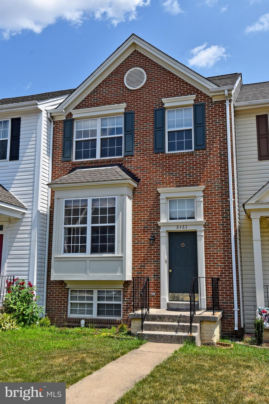 Welcome to the Bridlewood community! This spacious brick townhome  of 2076 finished sq ft has 3 bedr