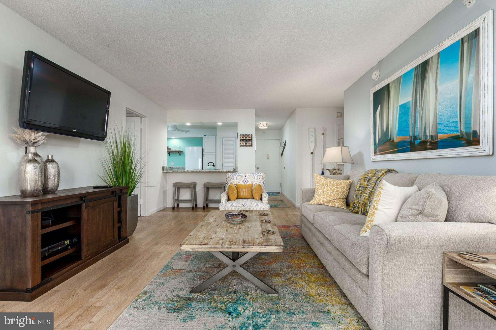 Beautiful Condo with access to beach... Own your private getaway in OC!! Spacious newly painted 2 BR