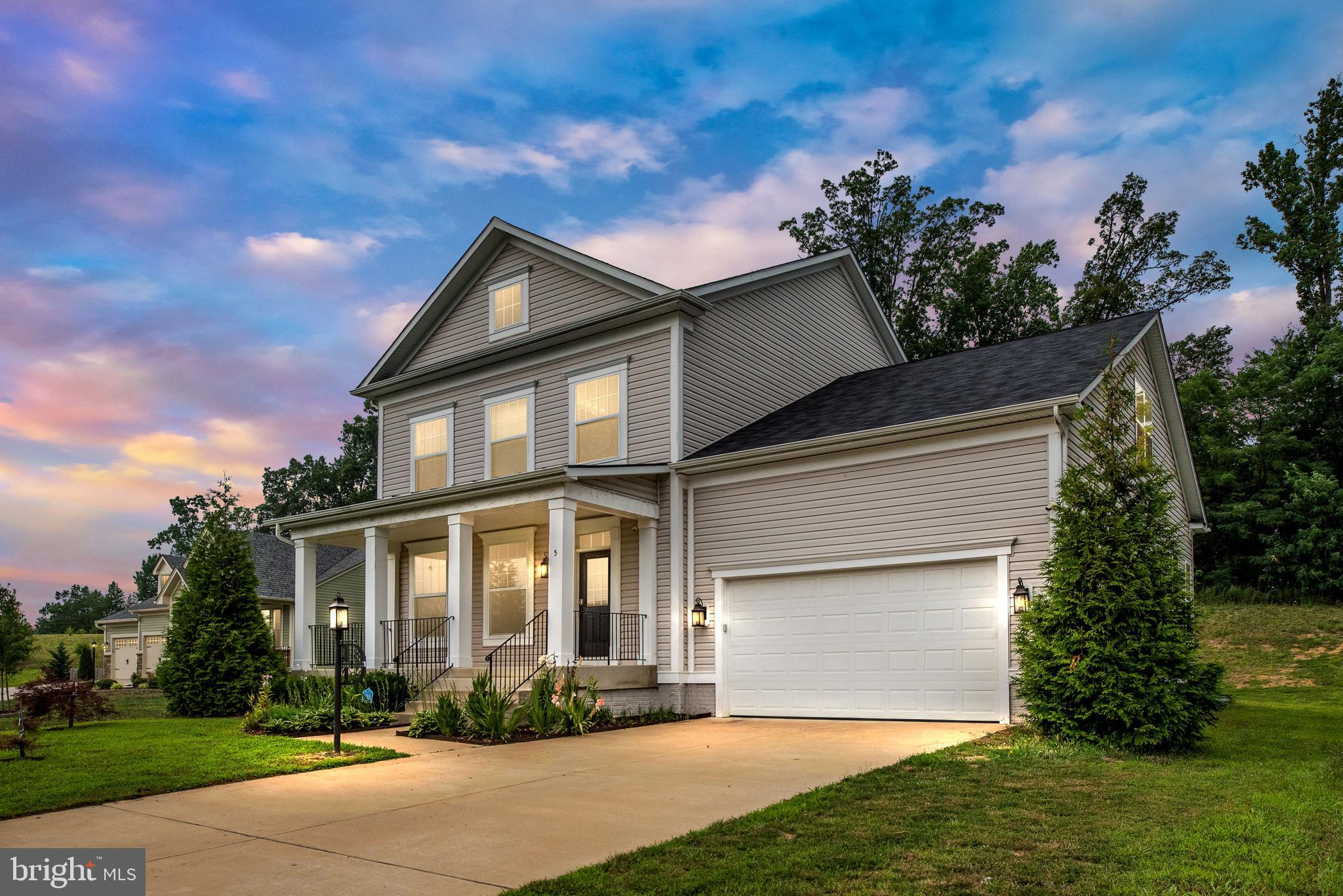 Nestled in a Cul de Sac in the Exclusive Community of the Estates of Leeland /Oaks of Highland Homes
