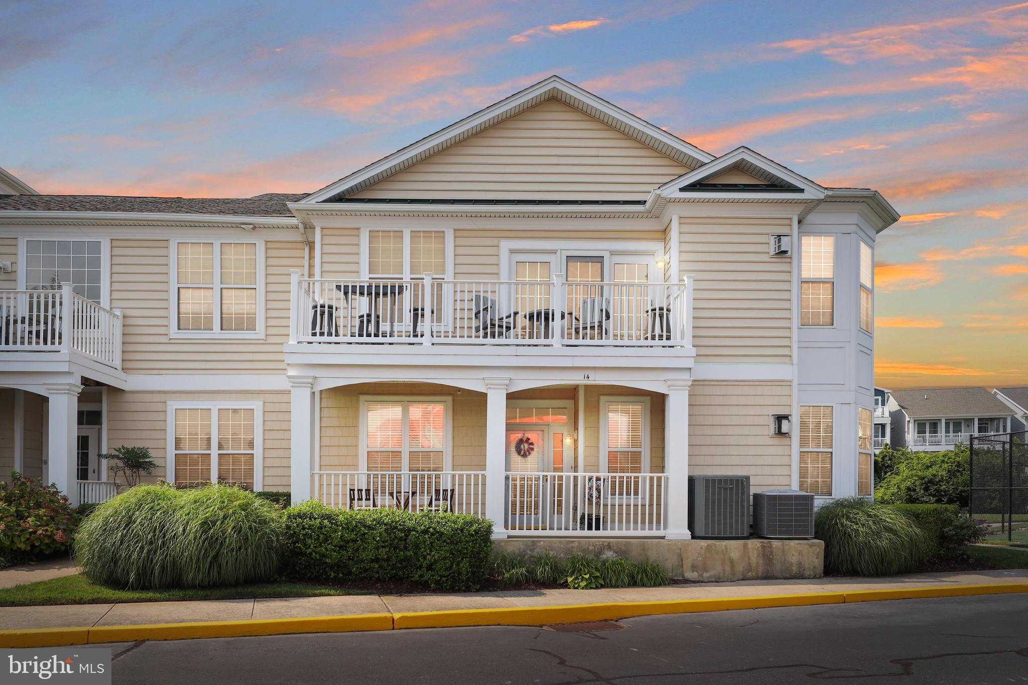 Welcome to the beautiful Bayside at Bethany Lakes community on the Indian River Bay! This first floo