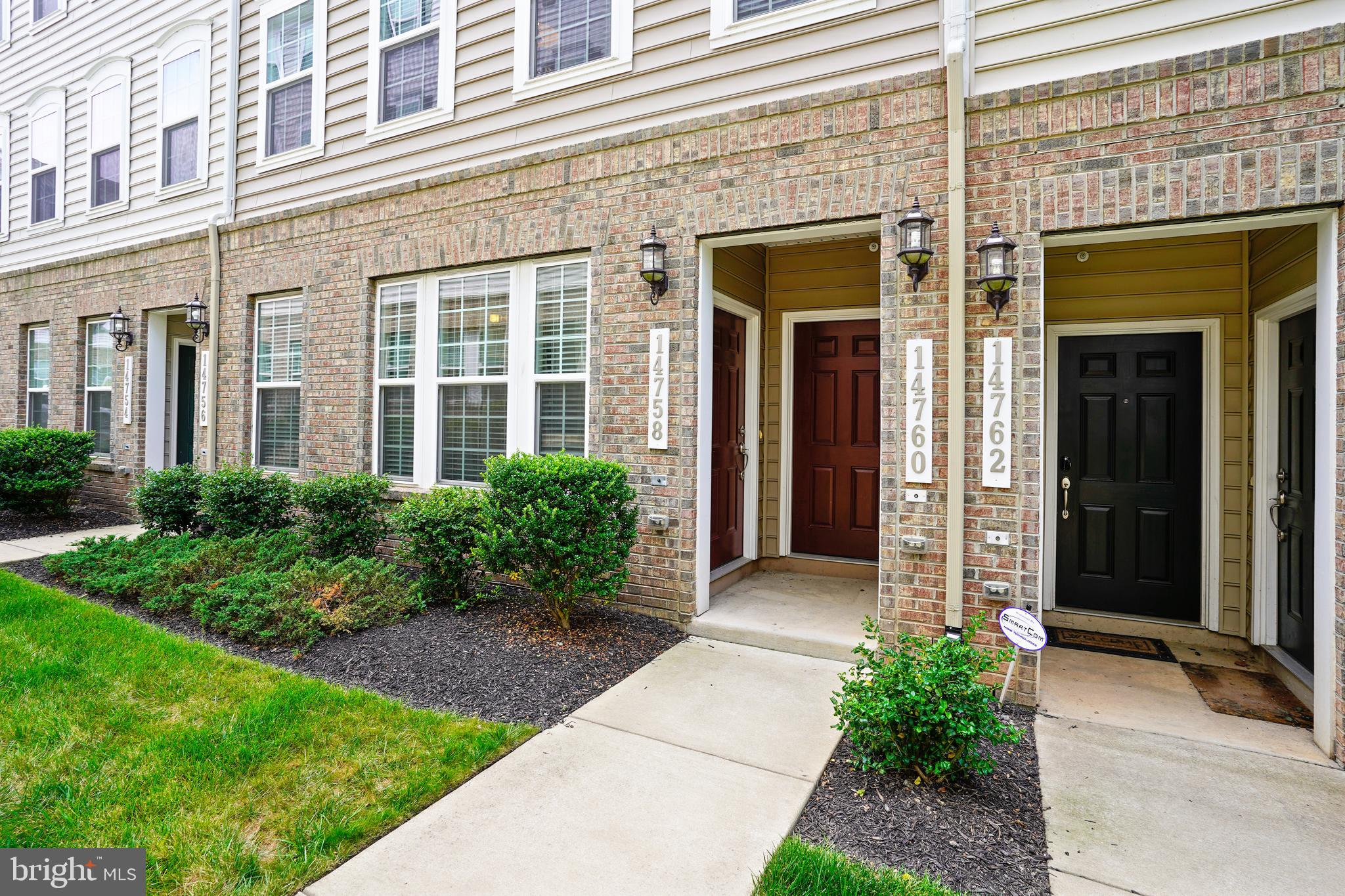 Location, price AND convenience all rolled into one!  This beautiful and spacious townhome condo in