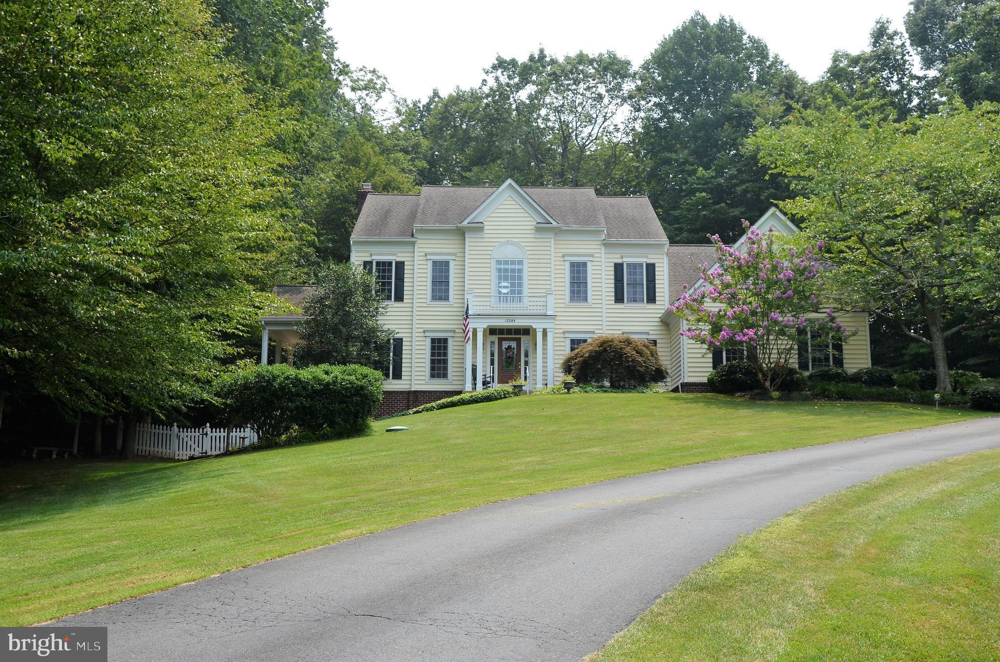 Fantastic upscale home in distinguished neighborhood of Hunter's Ridge /Treywood.  This executive ho