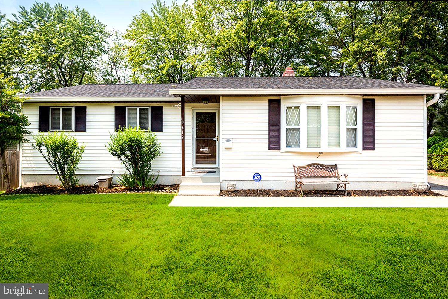 TOTALLY TURNKEY RANCHER in prime location CENTRAL TO ANNAPOLIS, BALTIMORE AND D.C.!  (All within 30
