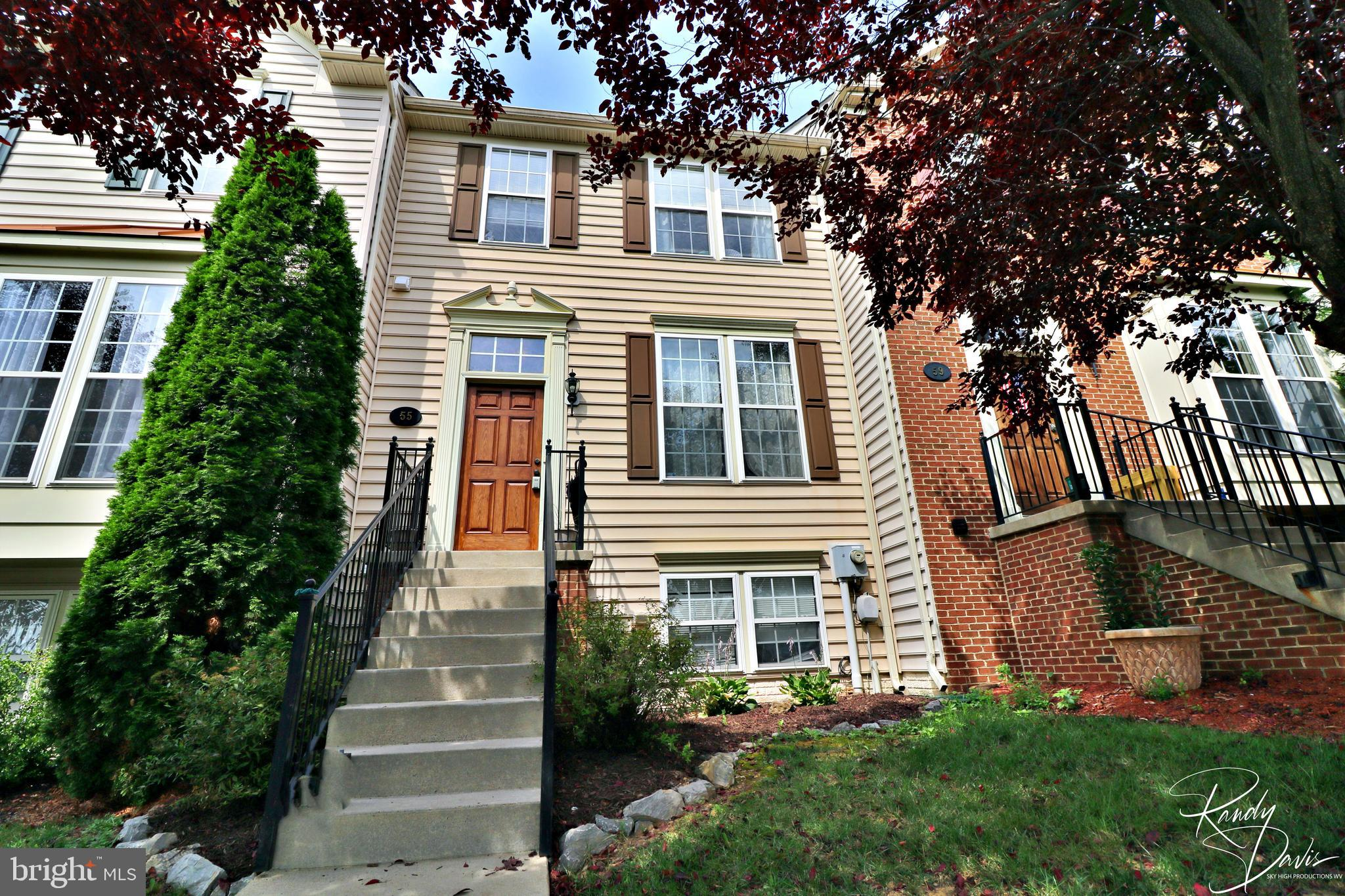 This affordable, low-maintenance townhome in the highly sought-after Shenandoah Springs is ready for