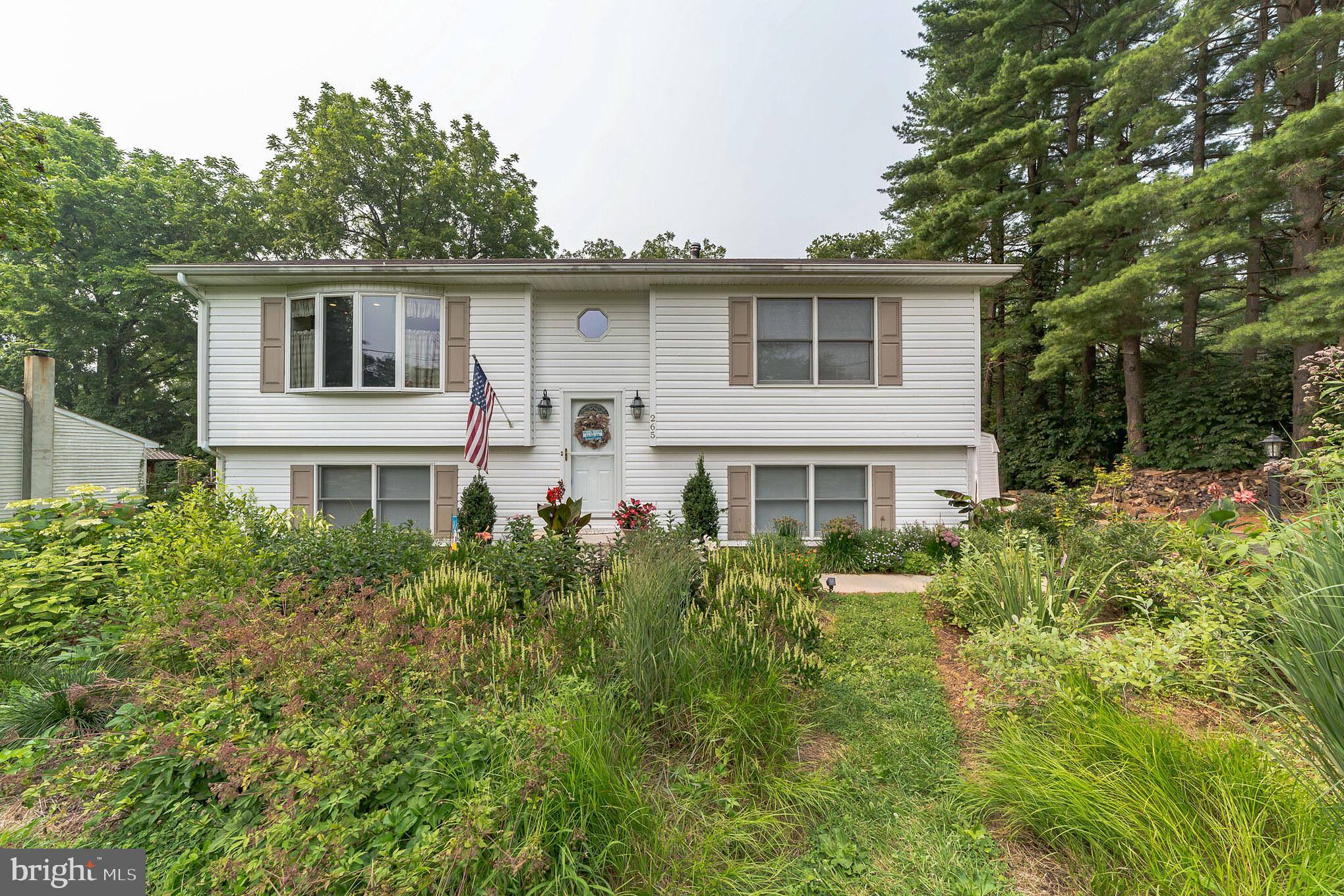 Rarely available 4BR/2BA in Octoraro Lakes, offering a Tremendous 1st floor Great Room addition with